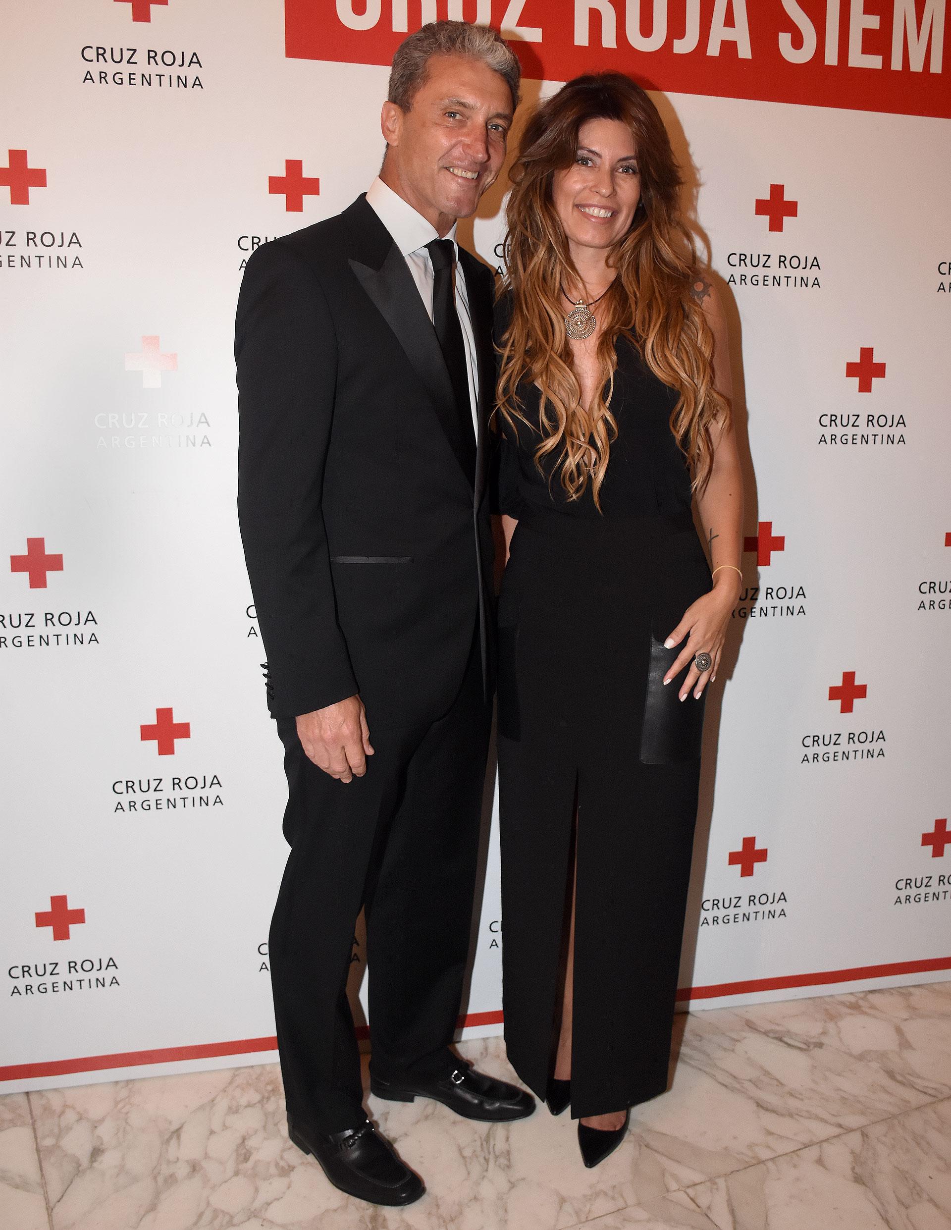 """José """"Pepe"""" Scioli junto a su mujer, María Pinto. Cruz Roja Argentina es la asociación civil, humanitaria y de carácter voluntario de mayor cobertura territorial del país"""