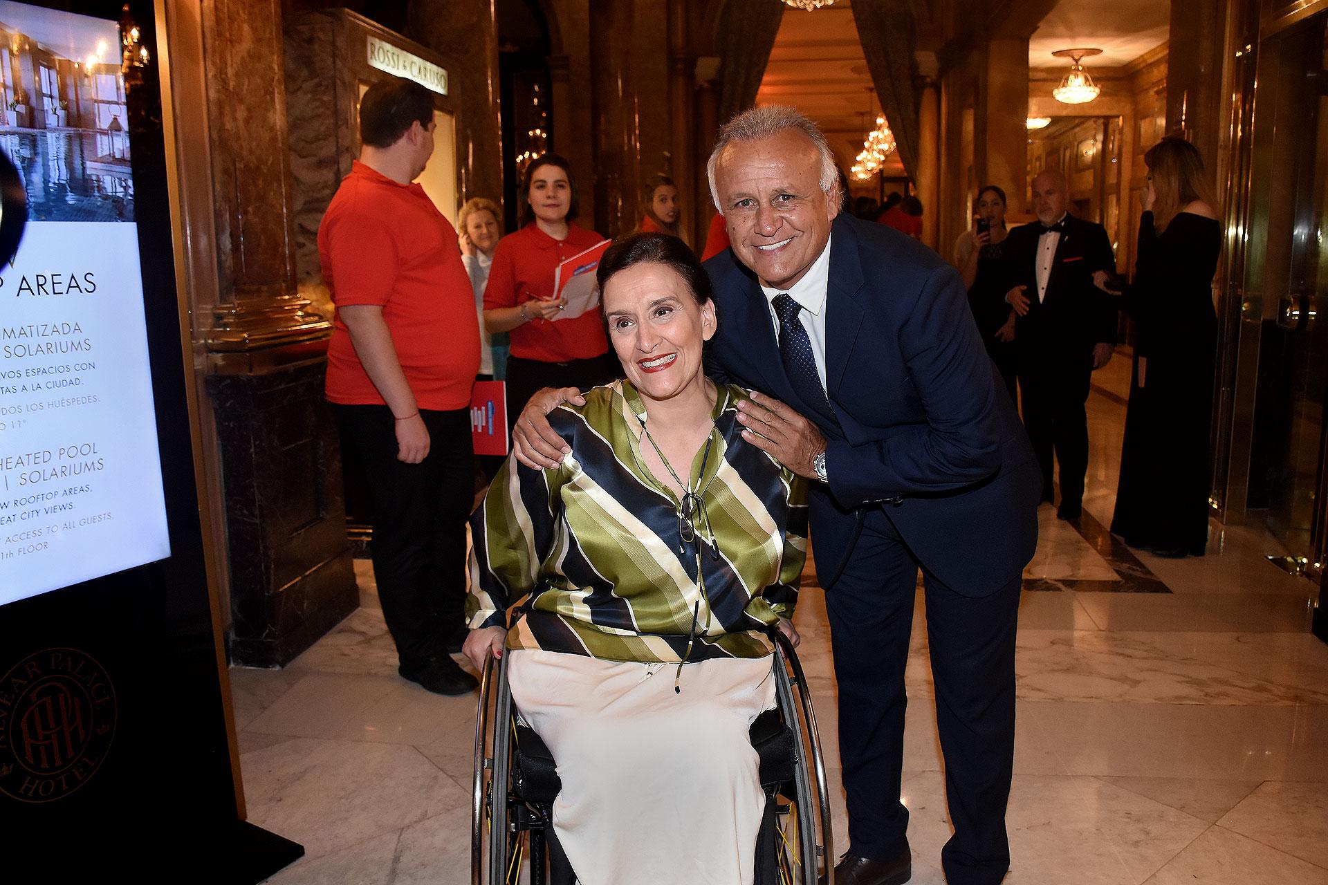 La vicepresidente Gabriela Michetti junto al ex embajador en Panamá, Miguel del Sel