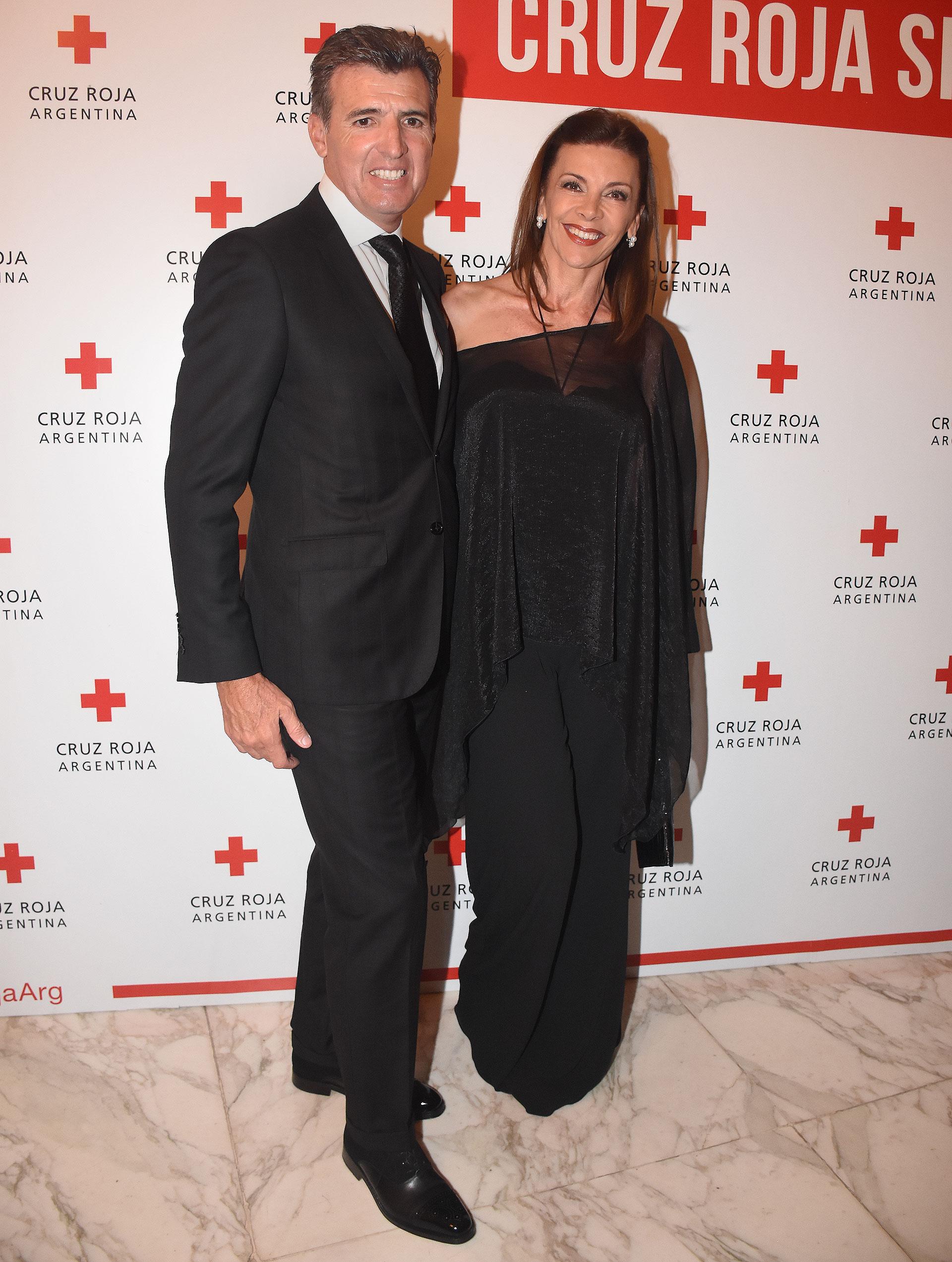El economista Alejandro Pérez Escoda y su esposa, Fabiana Araujo