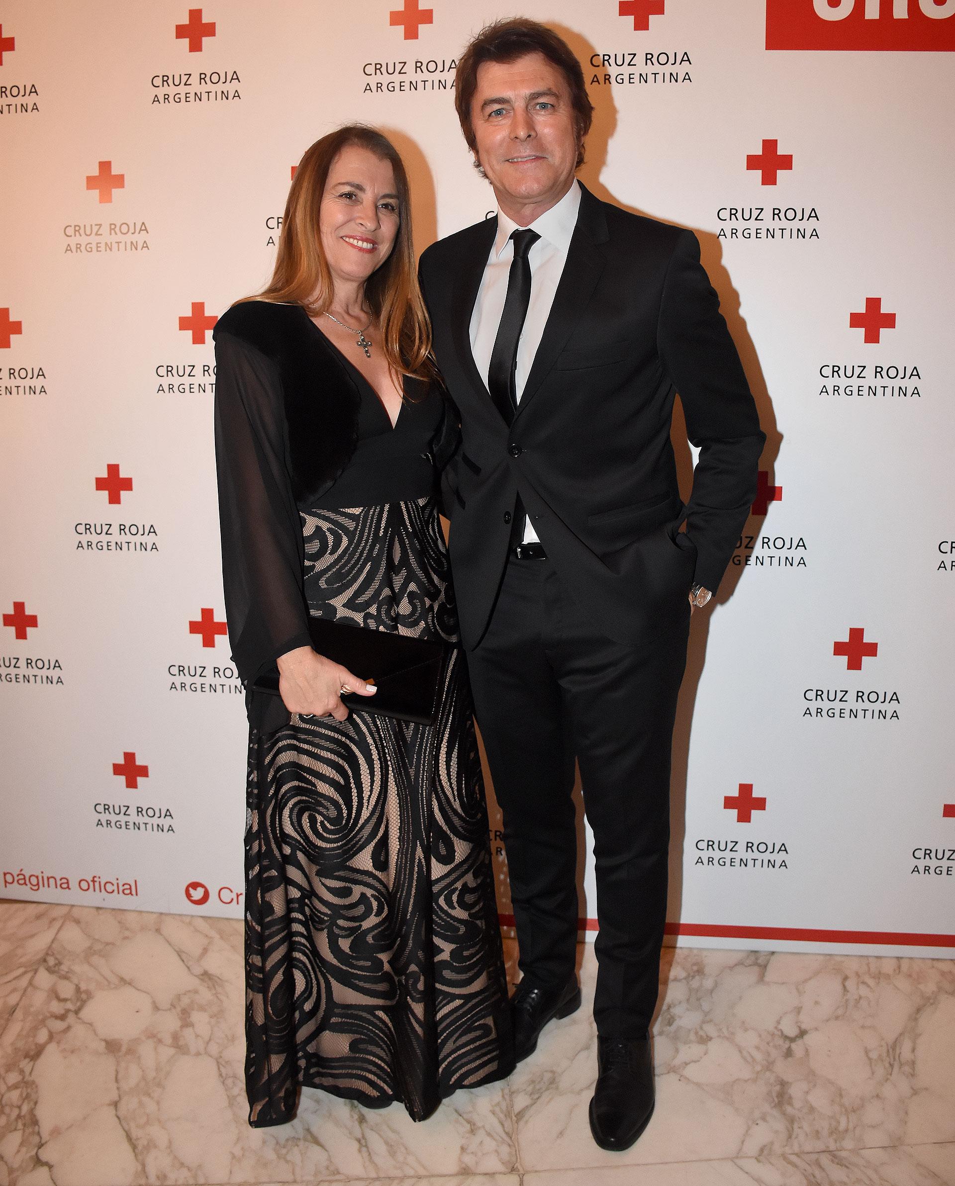 Gabriel Corrado junto a su esposa, Constanza Feraud