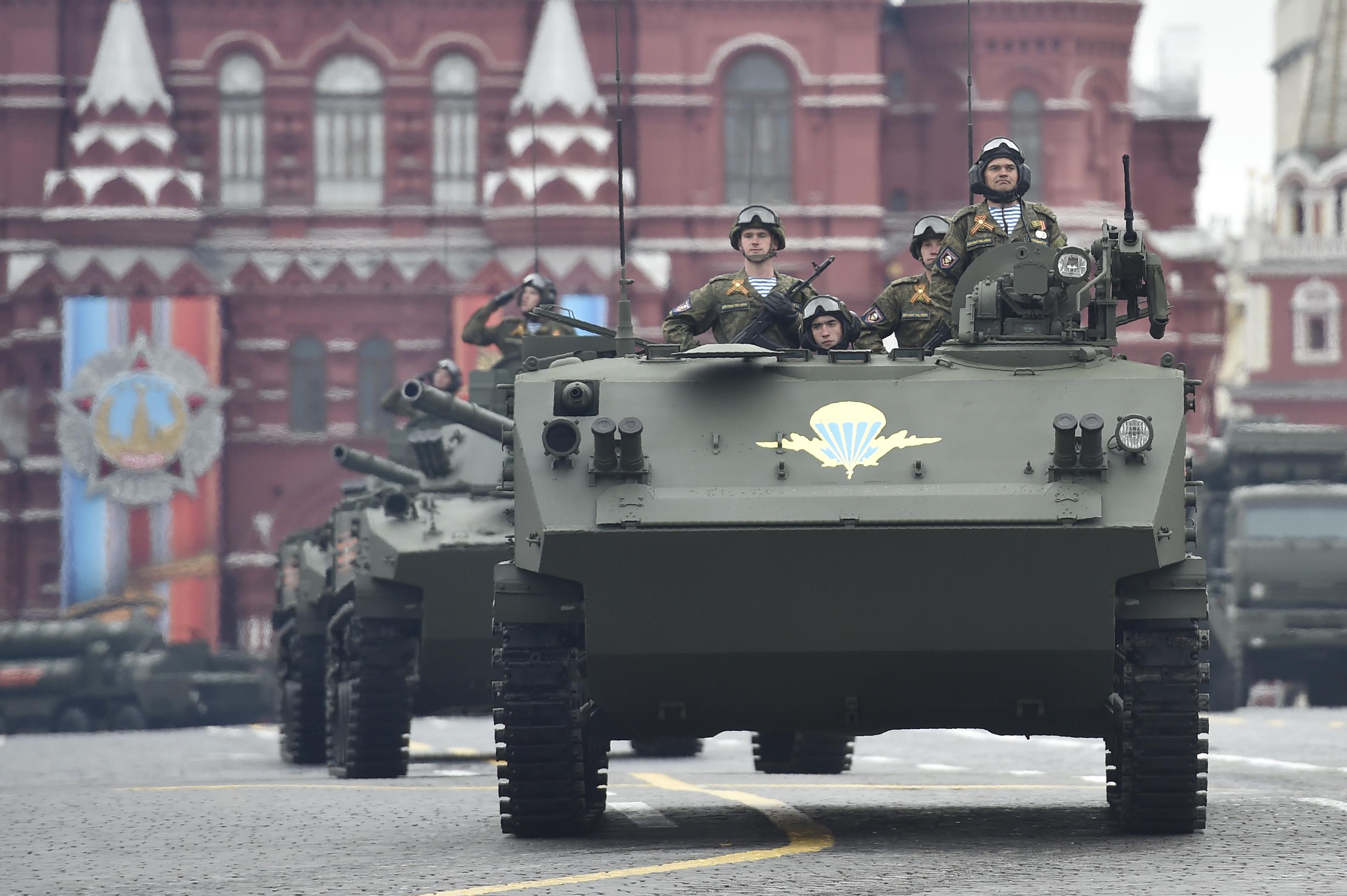 Un transporte de tropas liviano BTR-MDM Rakushka, usado por soldadosaerotransportados (AFP)
