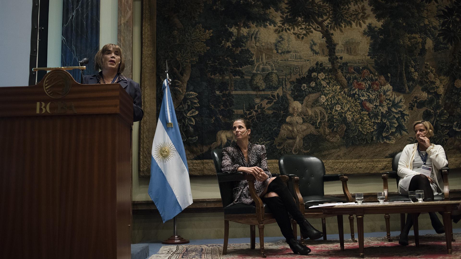 Una jornada de exposición y debate sobre las problemáticas femeninas en términos de equidad en el mundo de los negocios (Adrián Escandar)