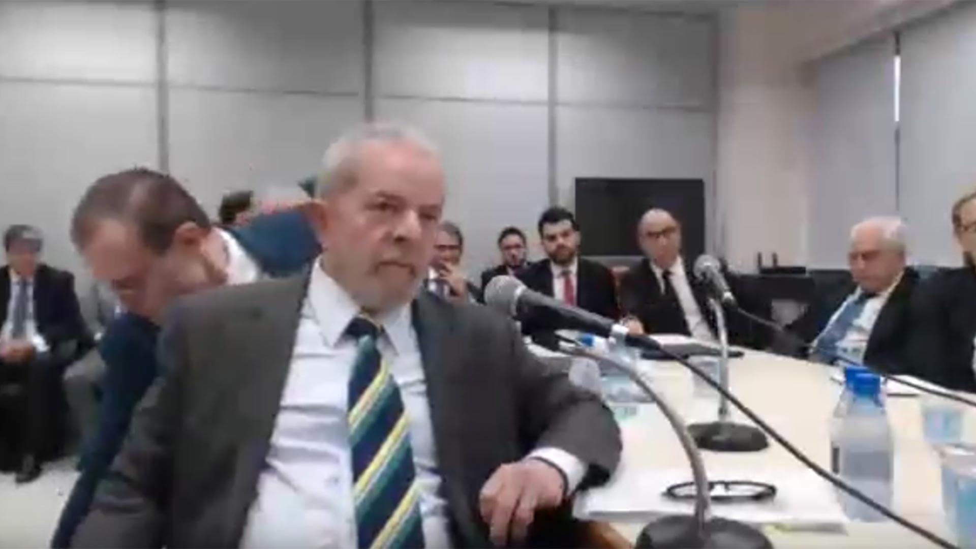 Lula, declarando ante el juez moro
