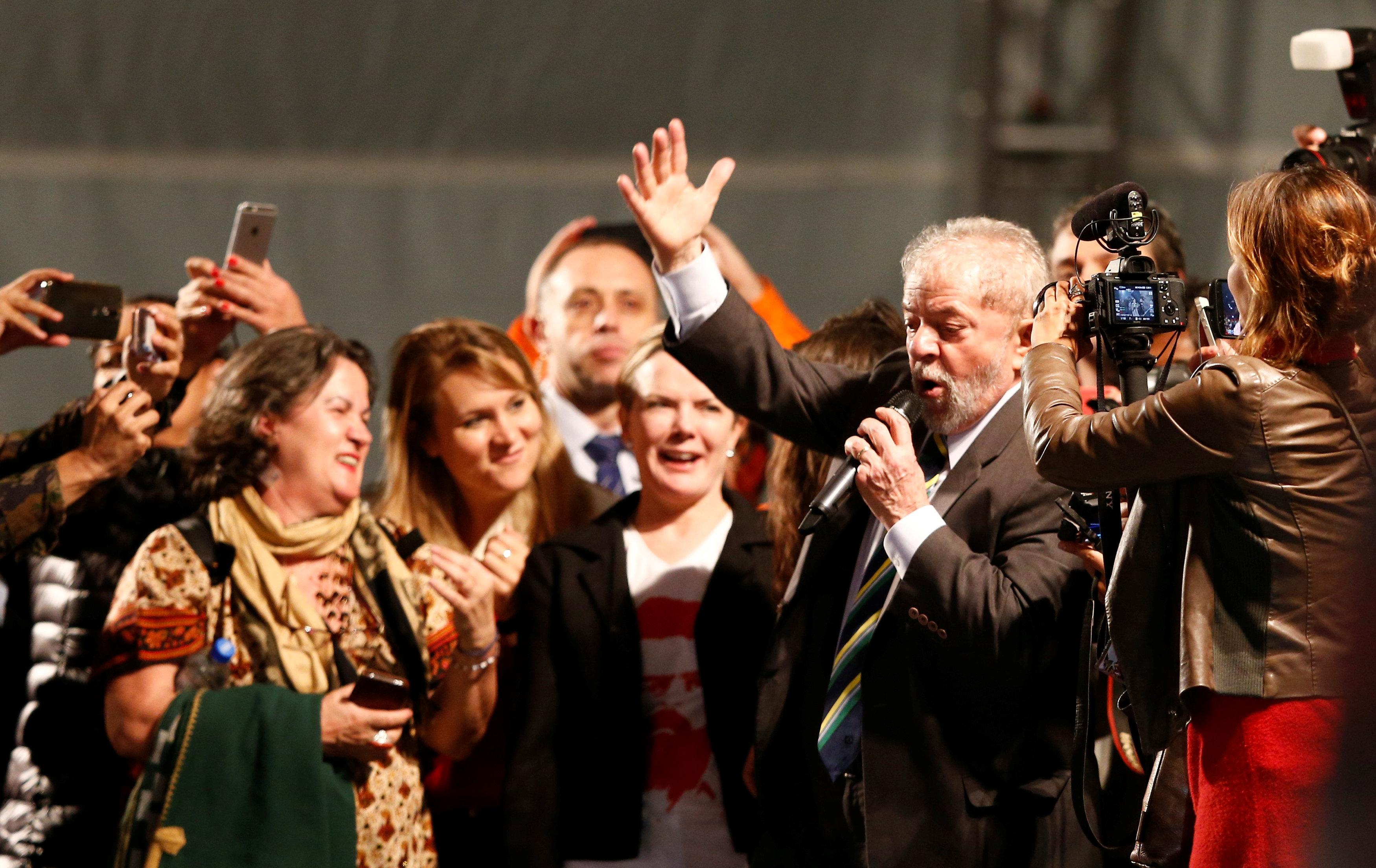 El discurso de Lula tras declarar ante el juez Moro (REUTERS/Rodolfo Buhrer)