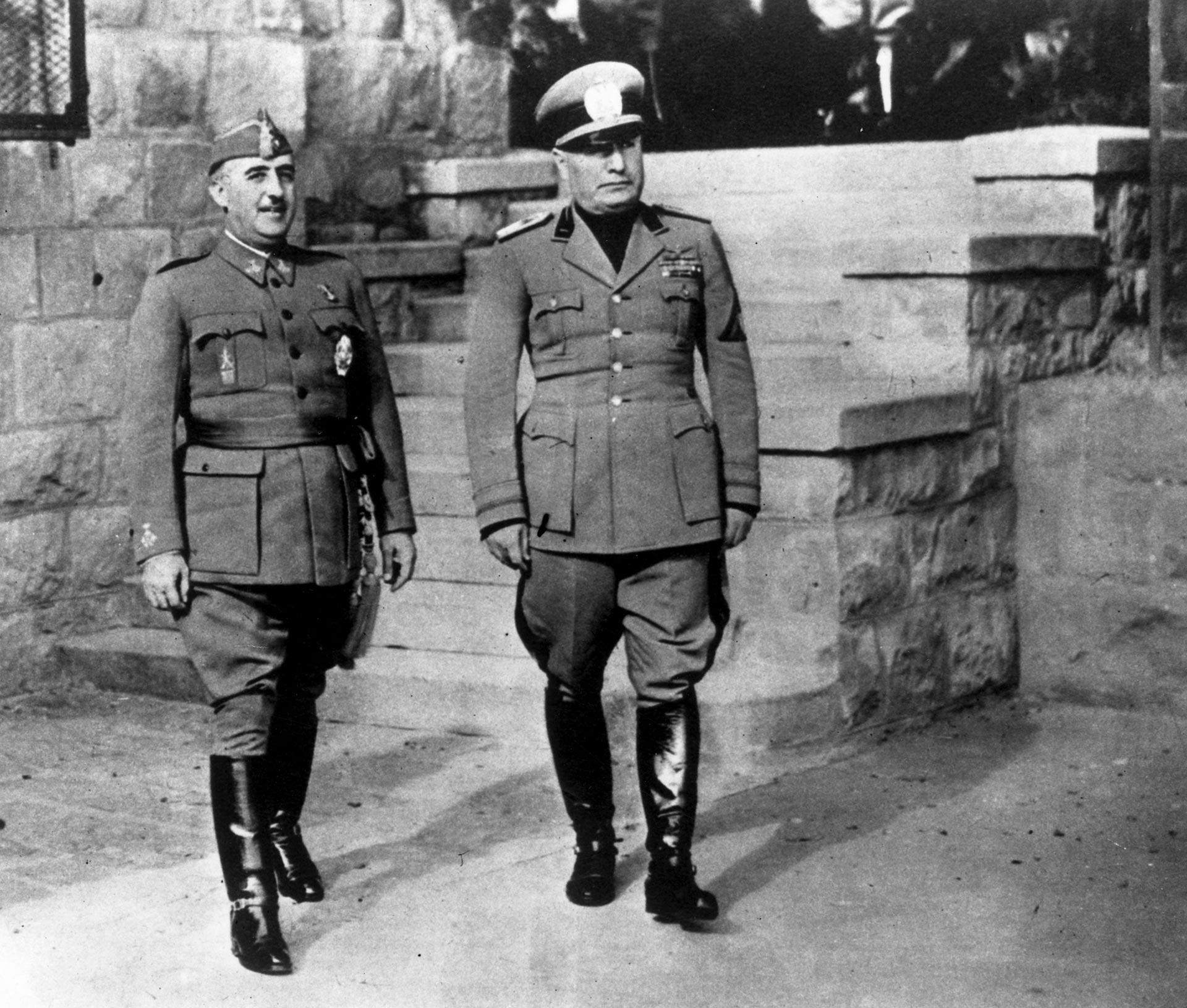 Por indicación de Adolf Hitler, Francisco Franco se entrevistó con Benito Mussolini en la localidad transalpina italiana de Bordighera el 12 de febrero de 1941 (Getty Images)