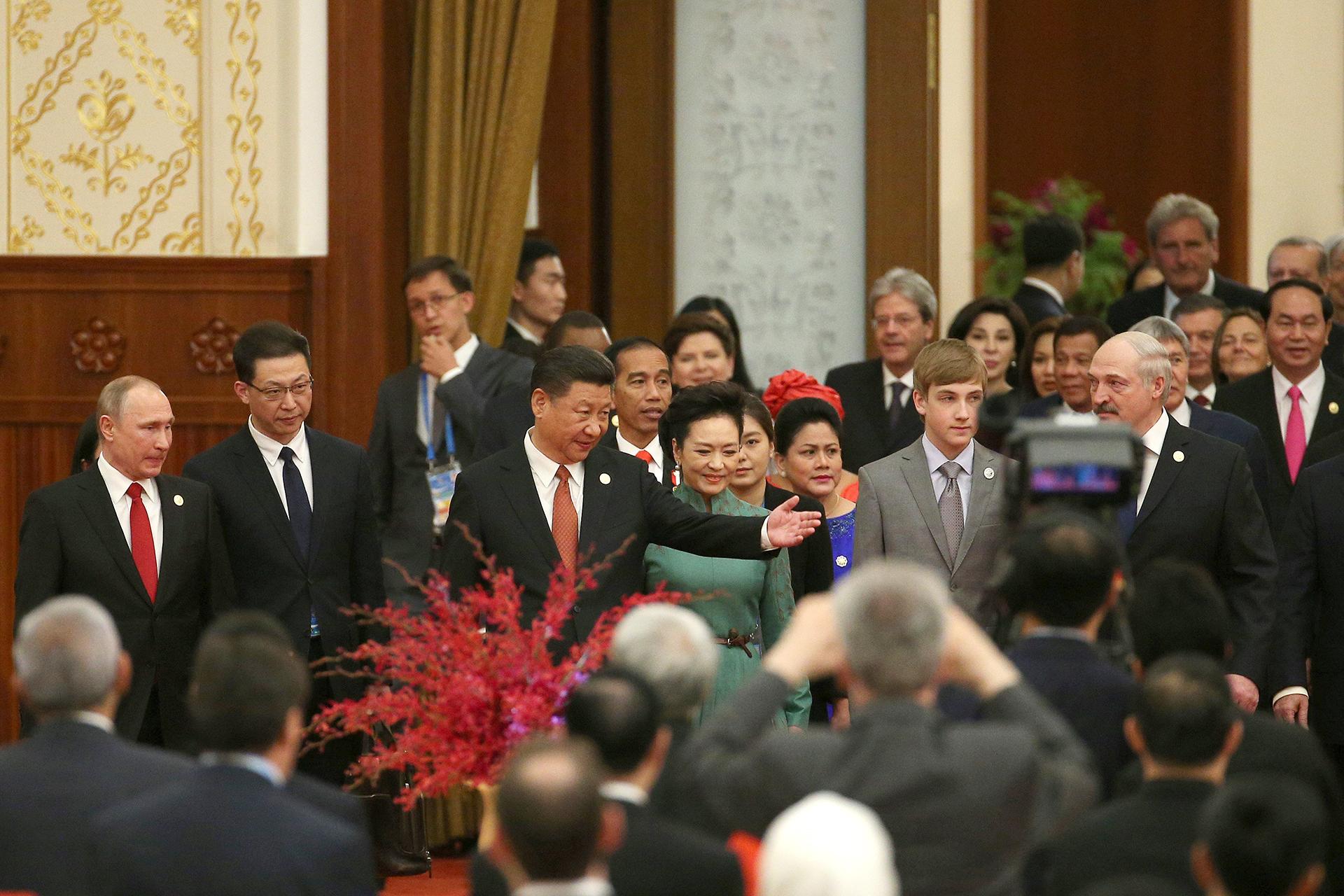 Xi Jinping junto a Vladimir Putin y otros líderes mundiales