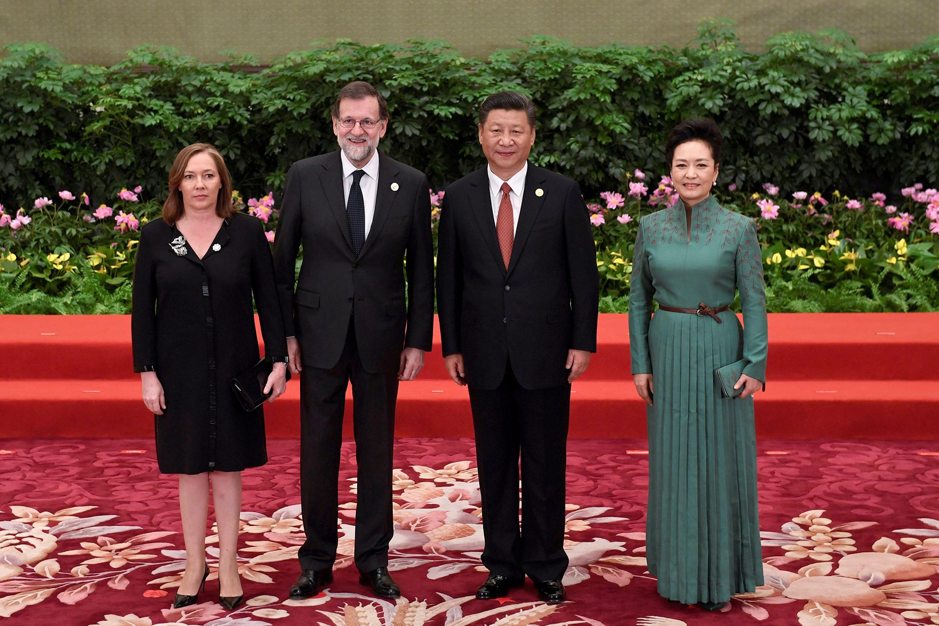 El primer ministro español Minister Mariano Rajoy y su esposa Elvira Fernandez Balboa junto a la pareja china