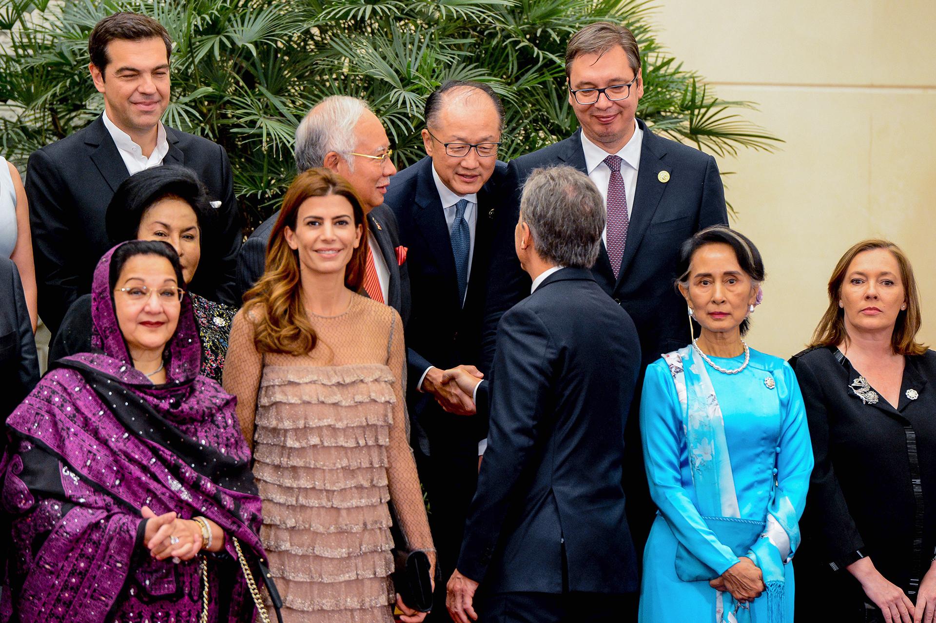 La primera dama Juliana Awada y Mauricio Macri en la foto protocolar