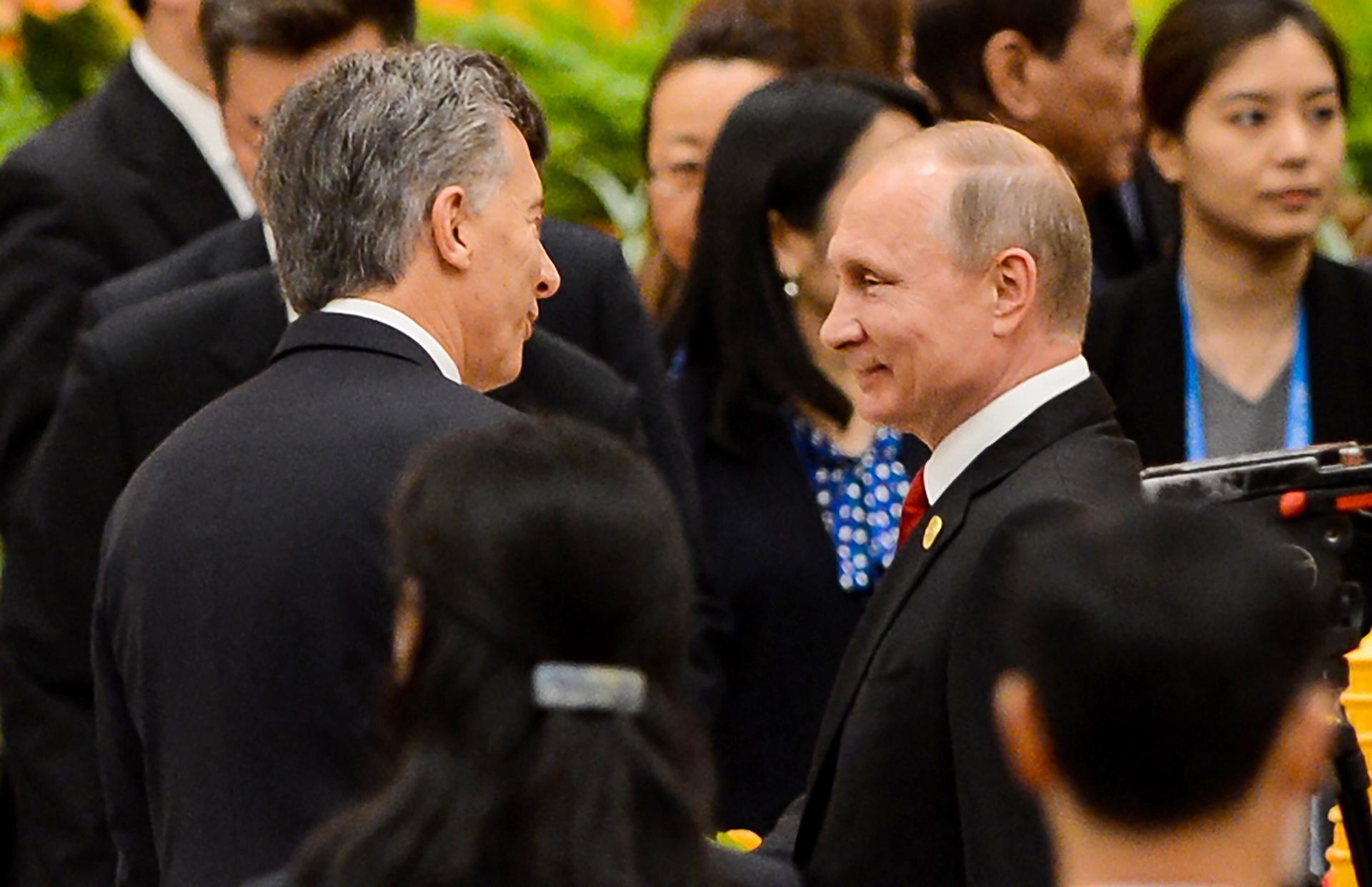 Mauricio Macri saluda a su par ruso Vladimir Putin