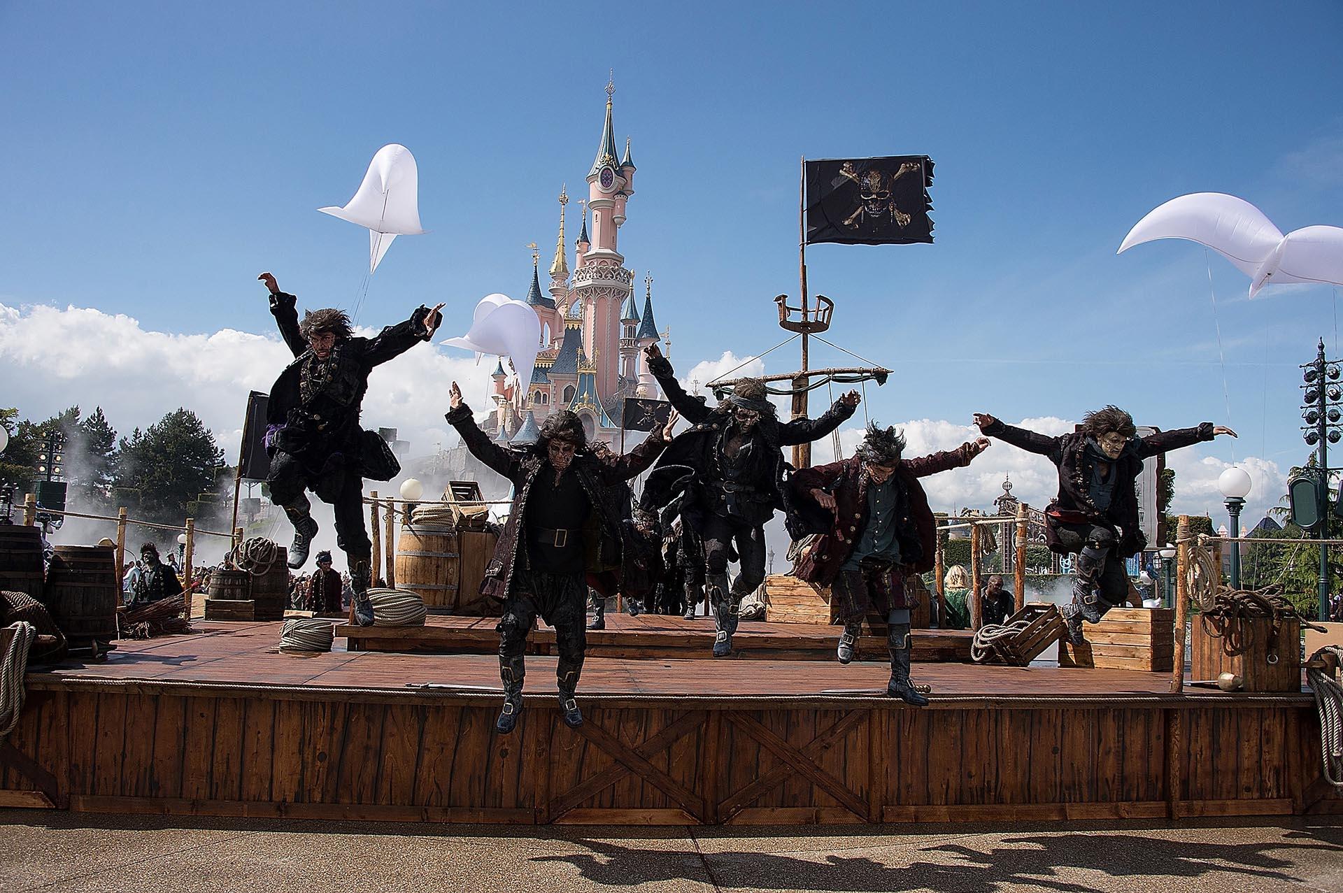 El gran espectáculo de la premiere, que se llevó a cabo en Disneylandia