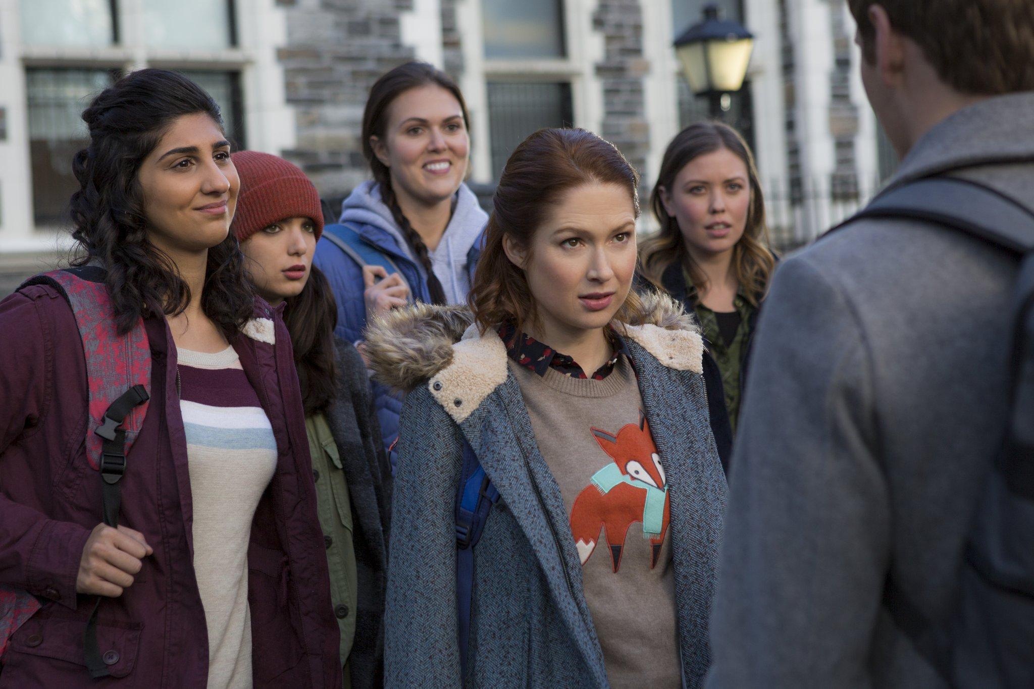 Kimmy se une a un grupo de estudiantes activistas