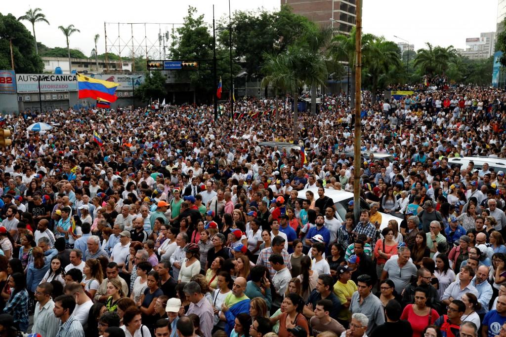 La concentración comenzó en las últimas horas de la tarde (Reuters)