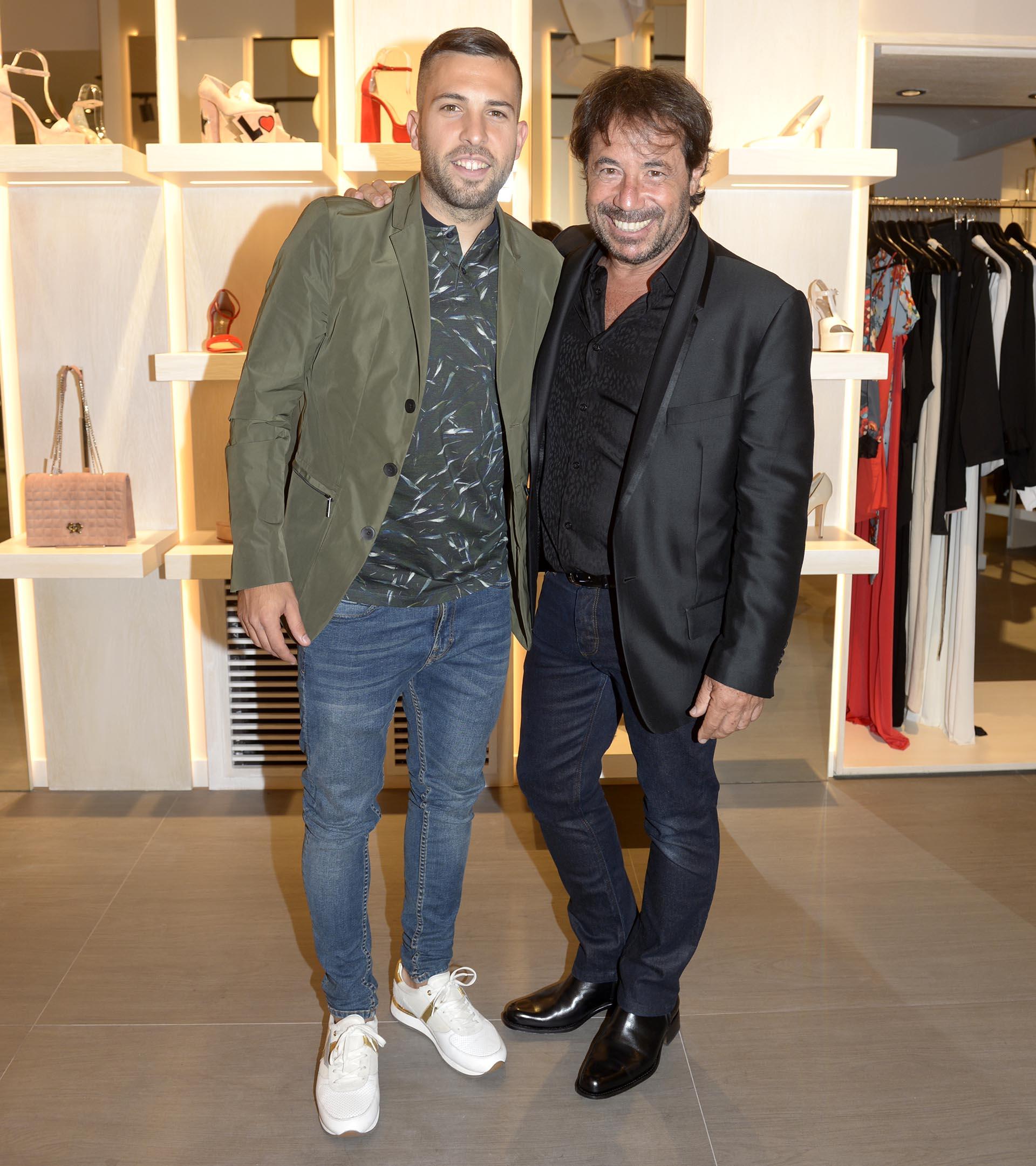 Jordi Alba y Ricky Sarkany