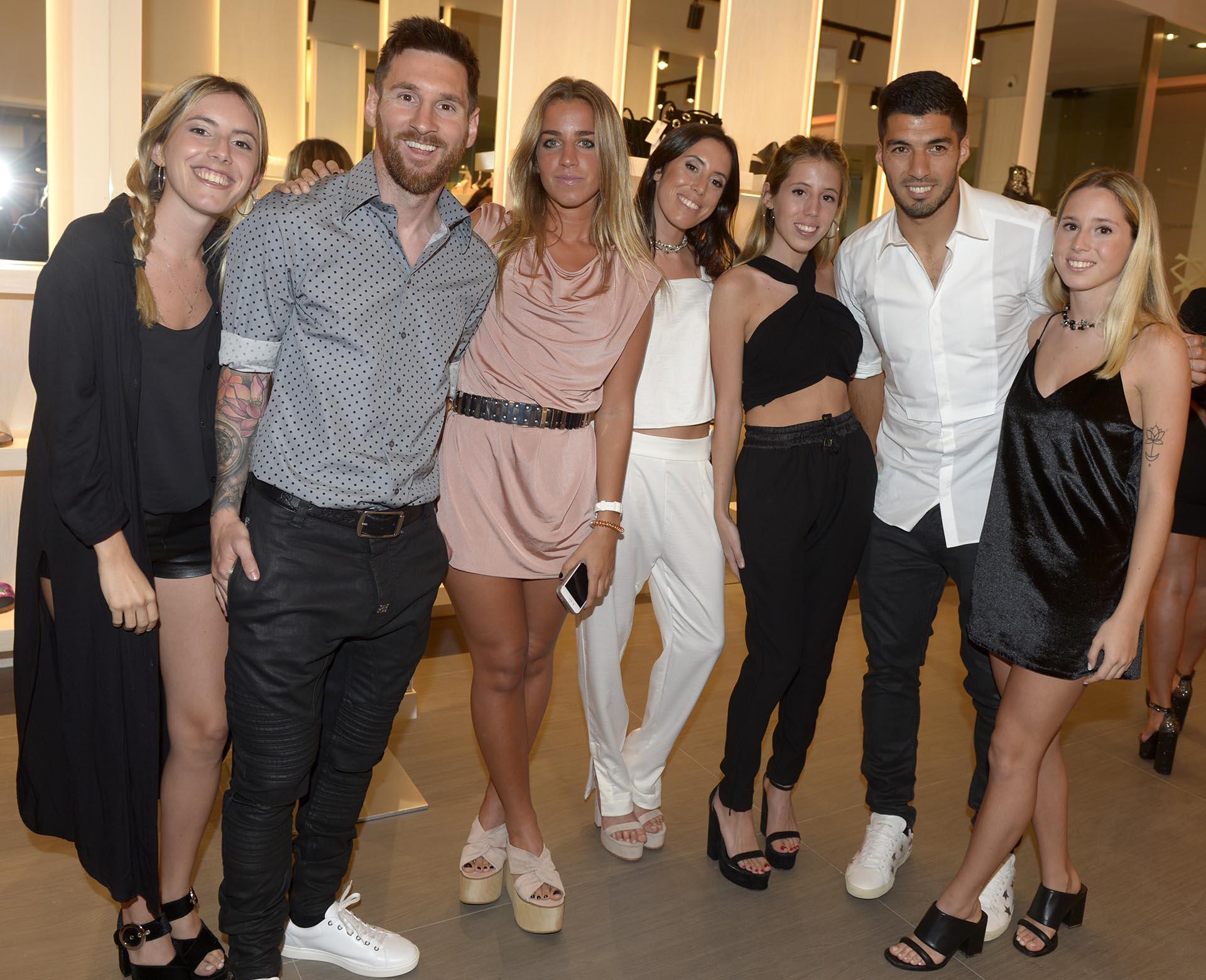 Josefina, Leo Messi, Julieta Scasso, Sofia, Clarita, Luis Suáerez y Violeta