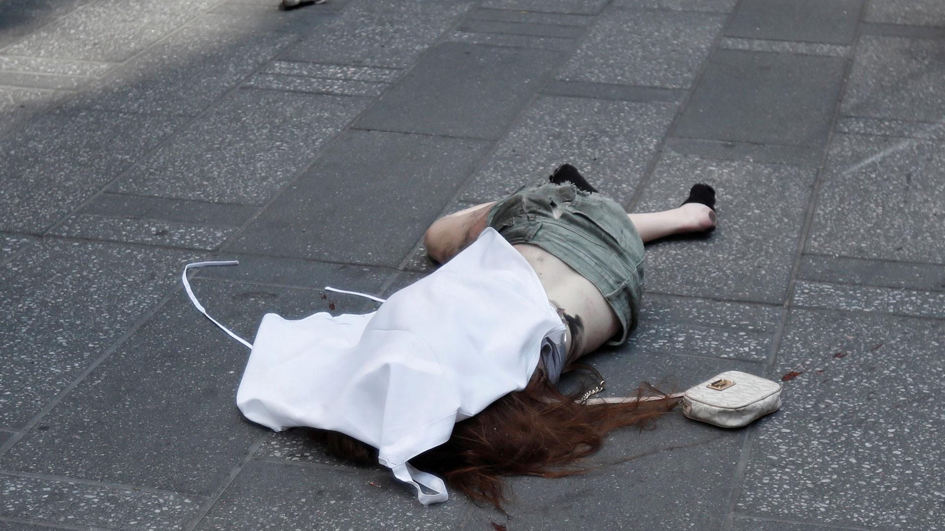 Un muerto y 12 heridos deja atropello múltiple en Nueva York