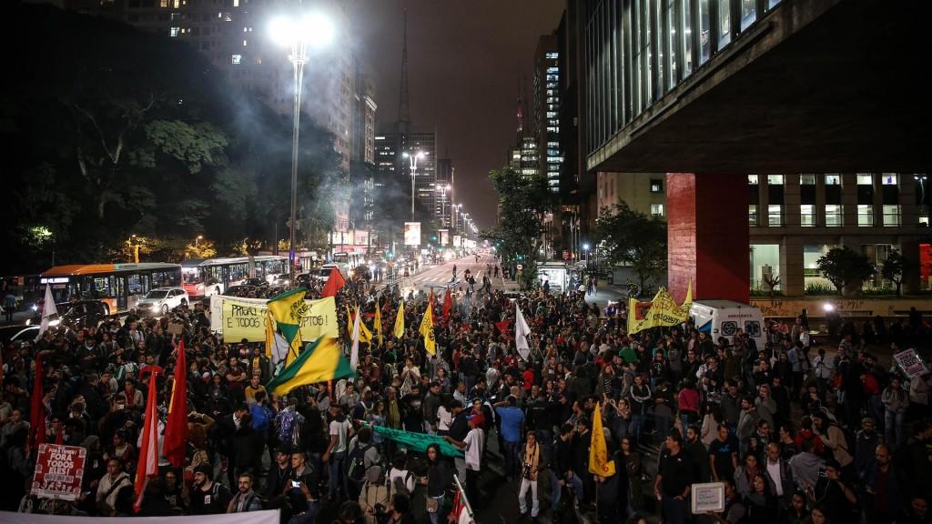 Miles de brasileños se manifiestan en todo el país (EFE)