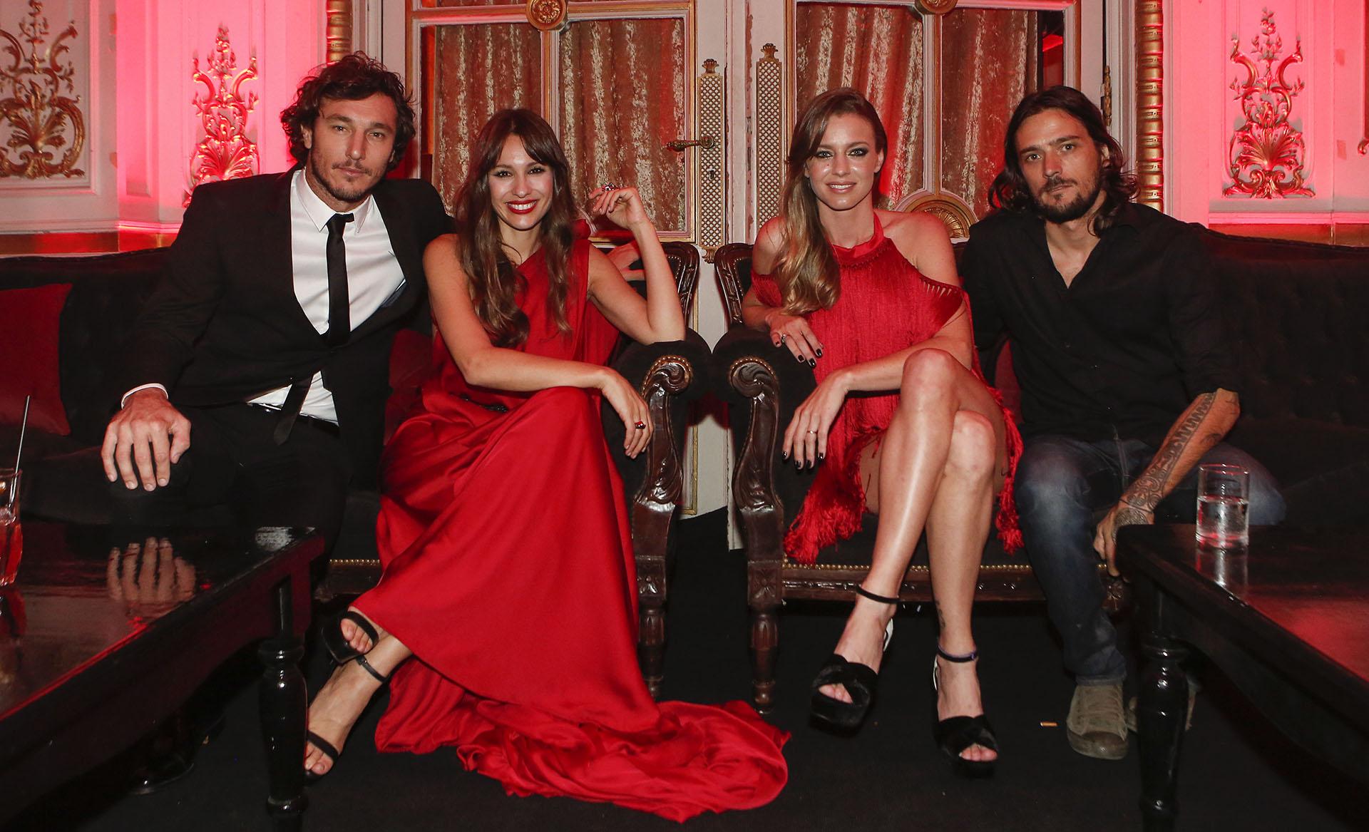 "Juan ""Pico"" Mónaco, Carolina ""Pampita"" Ardohain, Geraldine Neumann y Jorge Otamendi"