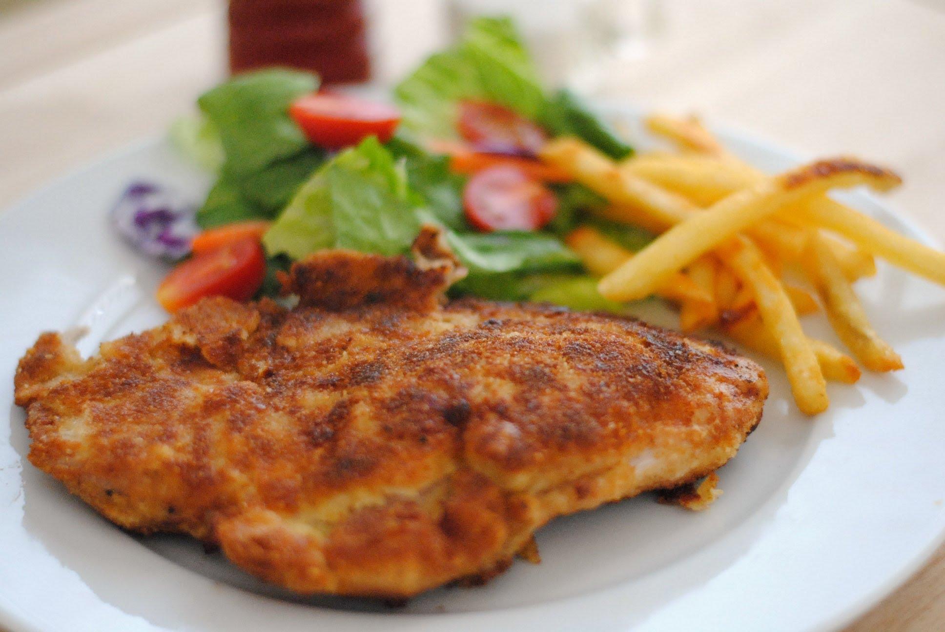 Chuleta de cerdo frita, otro de los manjares que deben ser ordenados antes de morir