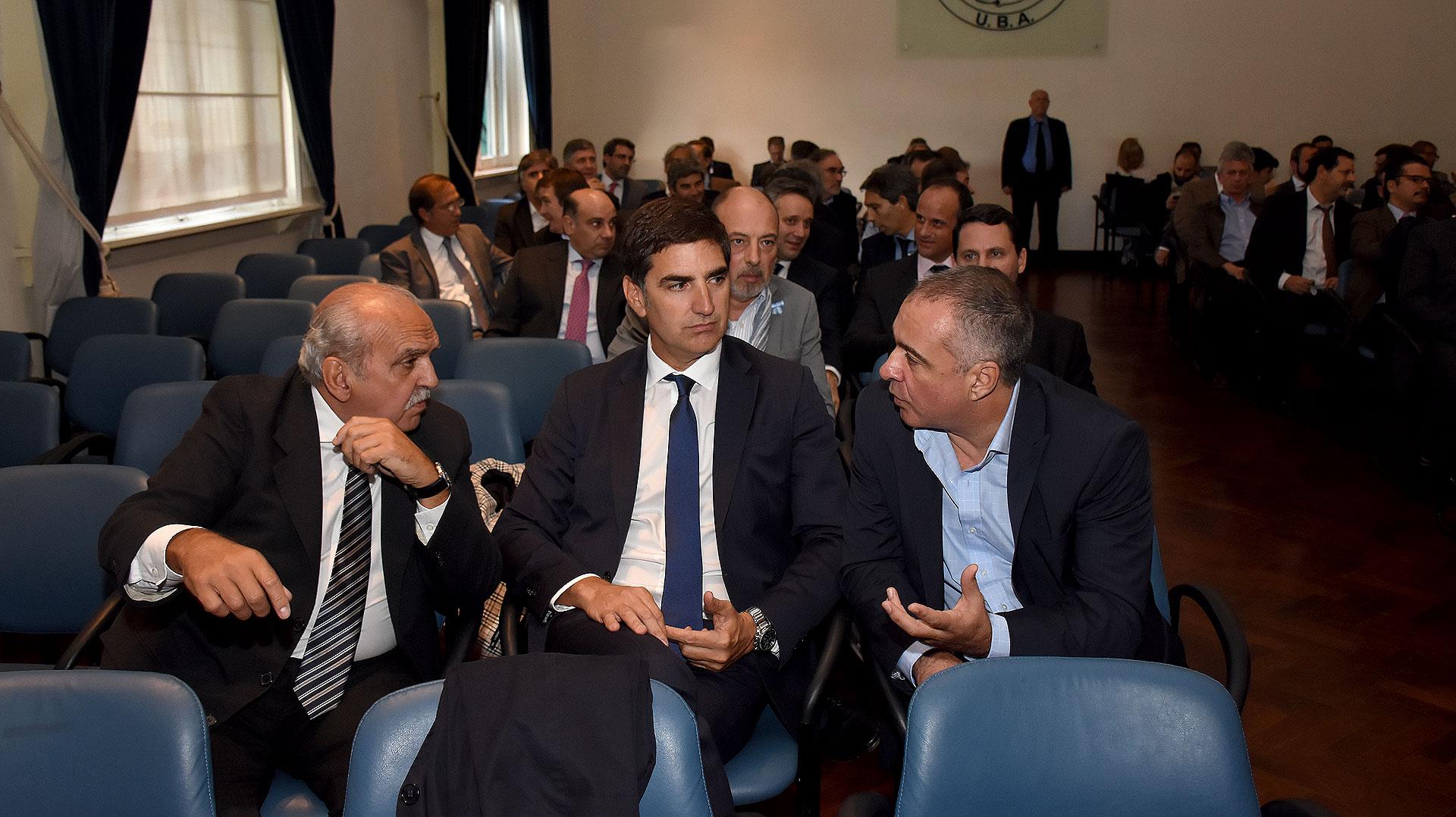 Compaired, Lemos Arias y Adrián González Charvay