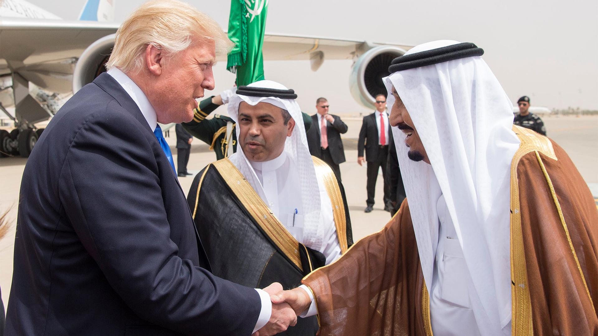 El rey de Arabia Saudita, Salman bin Abdulaziz al Saud, y el presidente estadounidense, Donald Trump