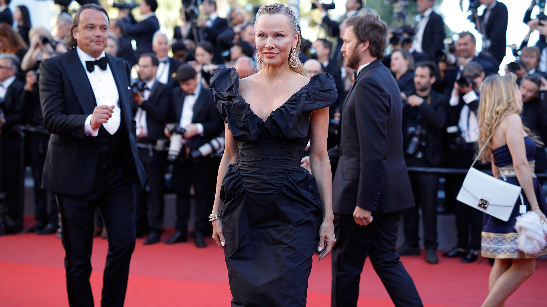 El look sobrio elegido por la estrella de Baywatch, Pamela Anderson