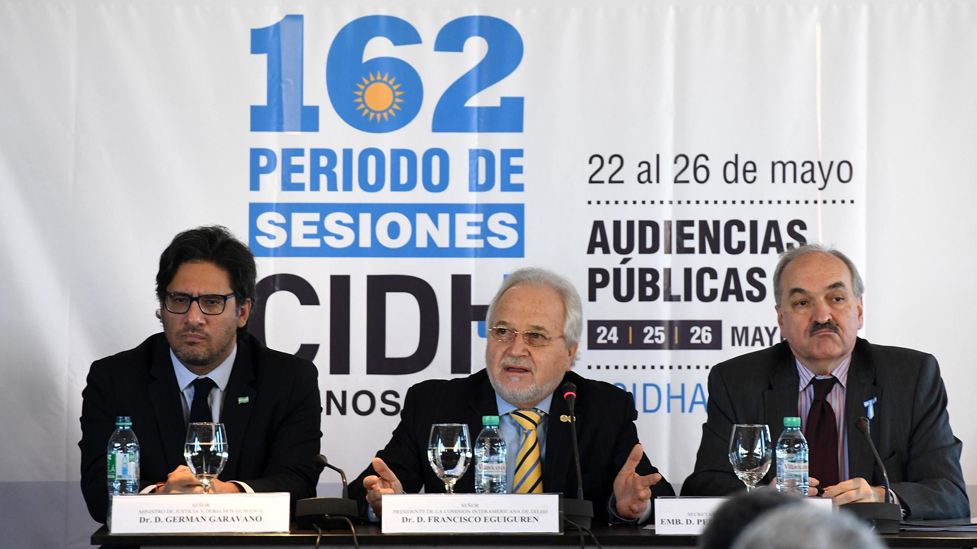 Pedro Villagra Delgado, a la izquierda, participó la semana pasada de las sesiones extraordinarias de la CIDH en la Argentina. Ahora suena para la embajada argentina en los Estados Unidos
