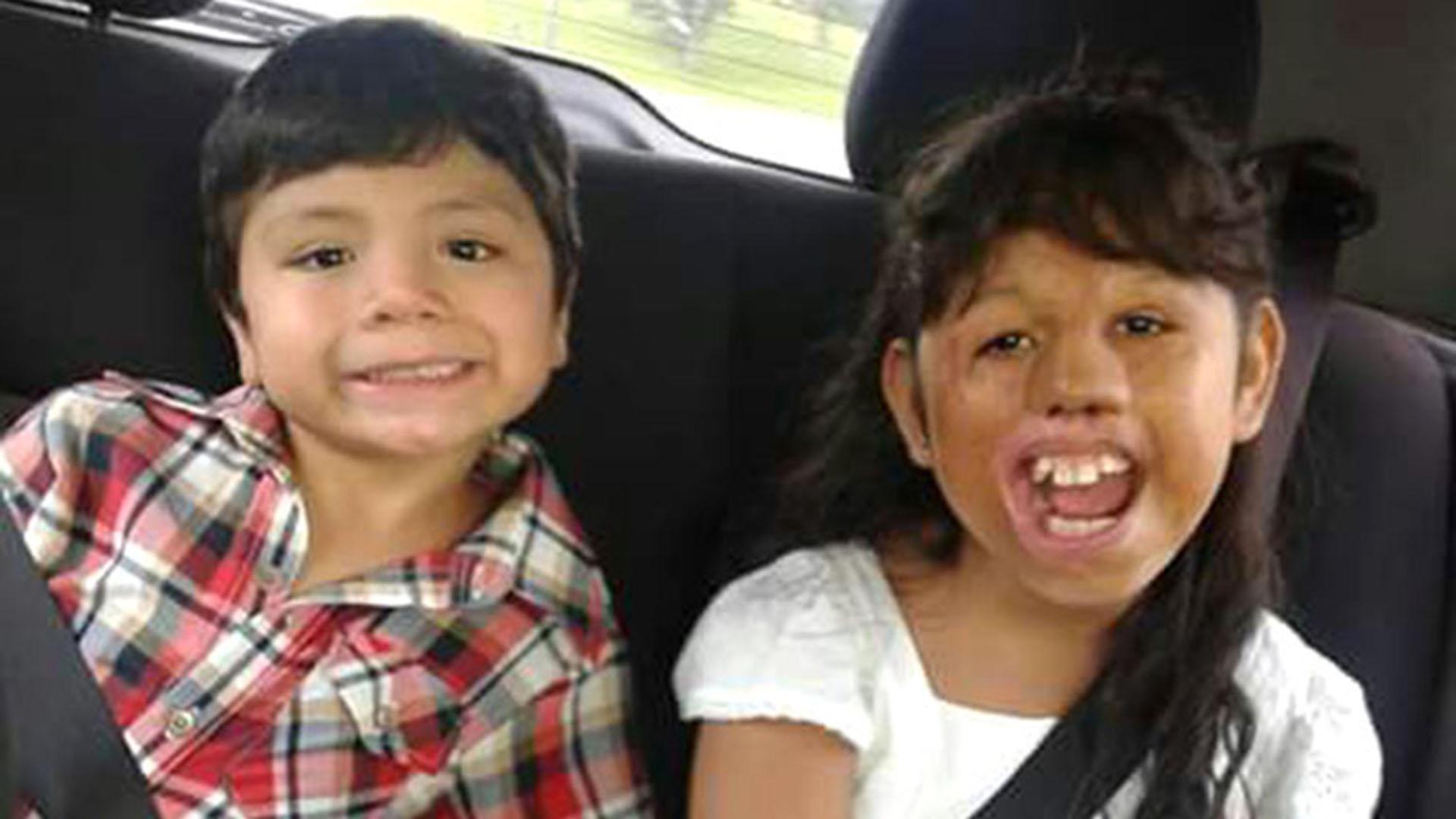 Betiana y su hermano Ezequiel. Los chicos fueron adoptados luego por una familia de Hurlingham.