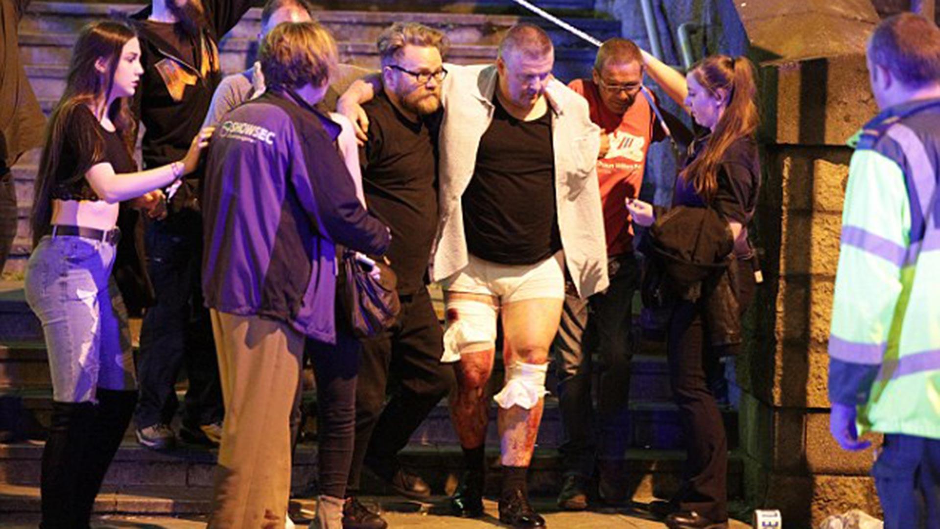 Según varios reportes, el número de heridos y muertos podría aumentar cuando se conozca el estado real de los más de 20 mil asistentes al concierto, en su mayoría, jóvenes