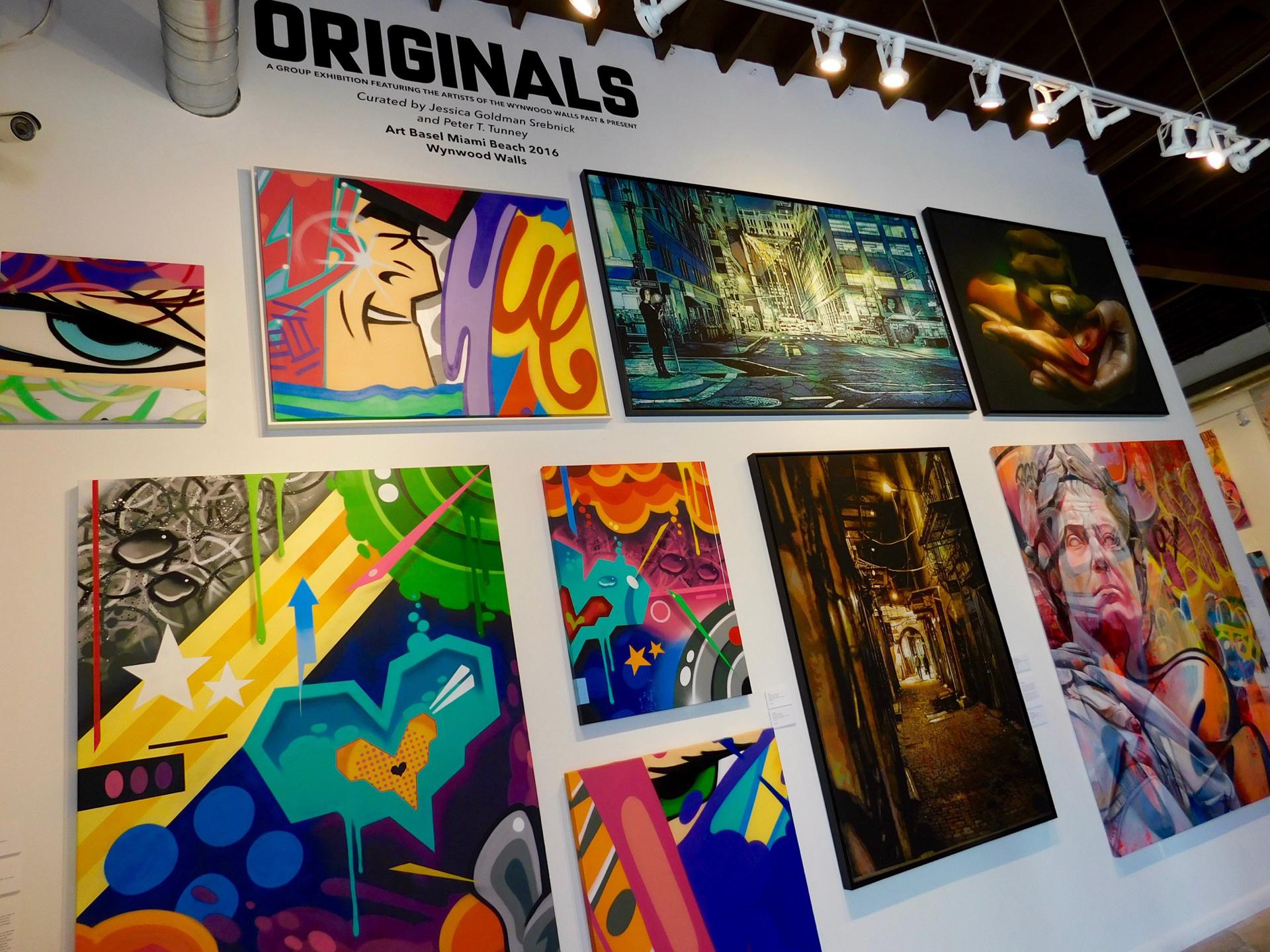 Las obras se destacan por el uso infinito de colores y retratar momentos.