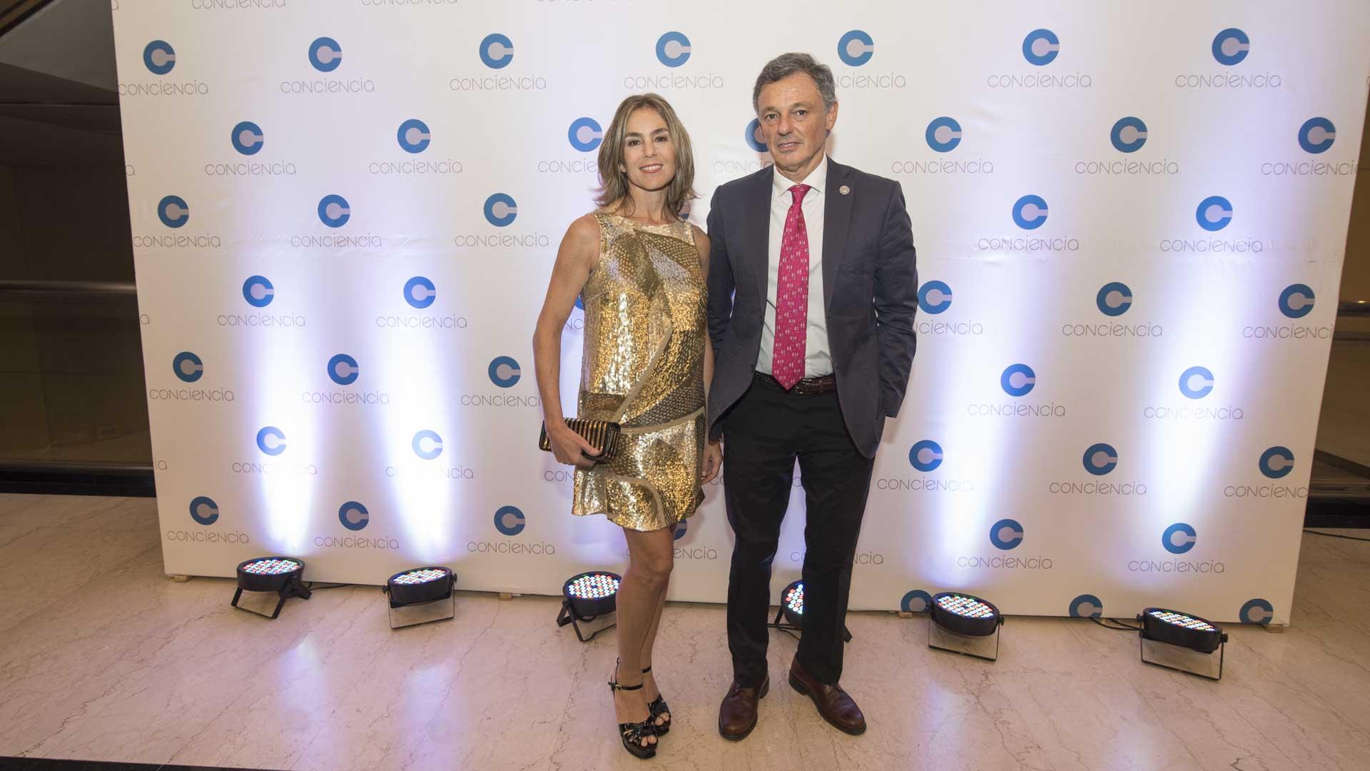 El ministro de Producción, Francisco Cabrera, y Gloria Fiorito