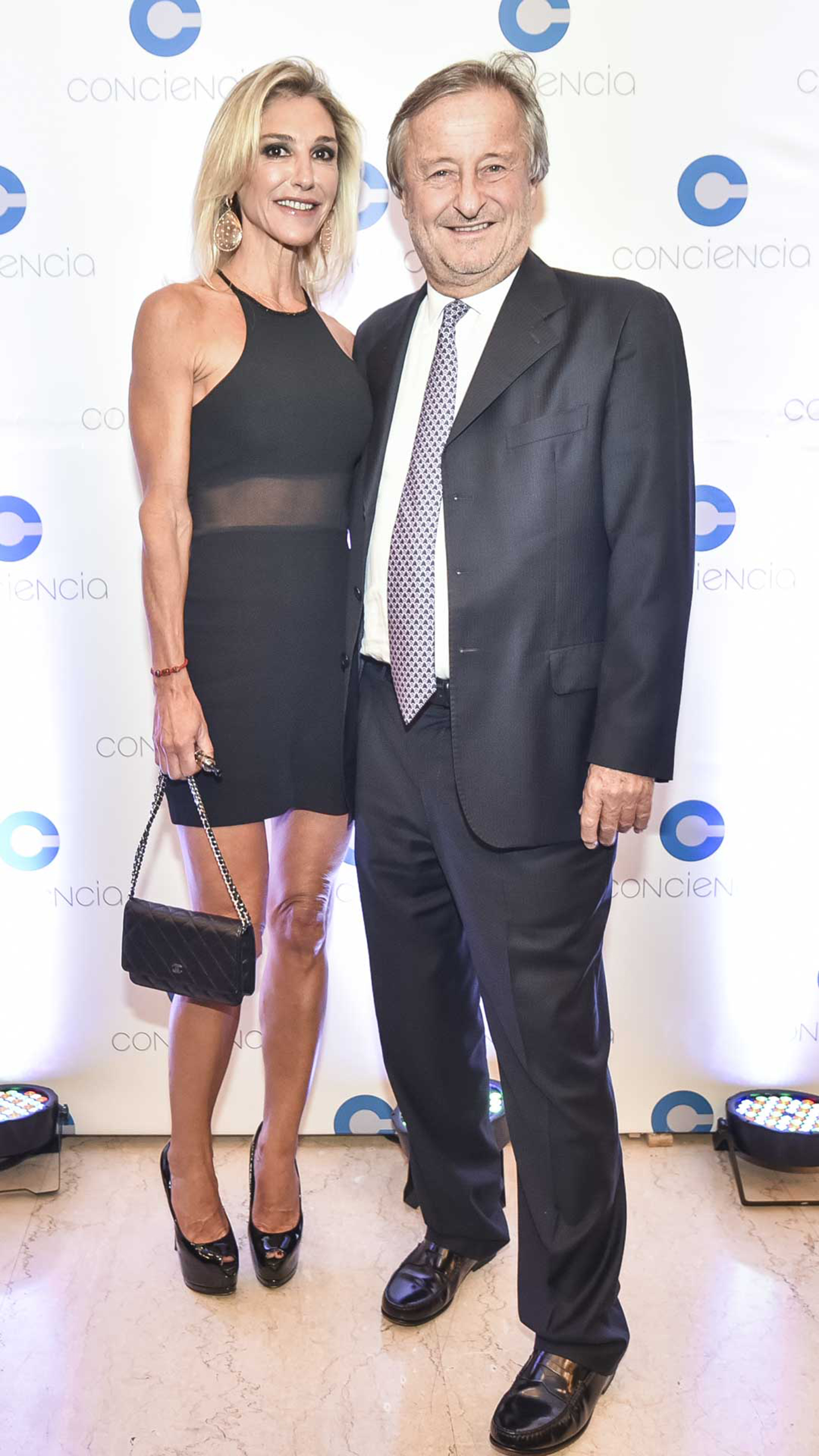 Cristiano Rattazzi, presidente de Fiat Argentina, y su pareja Gabriela Castellani