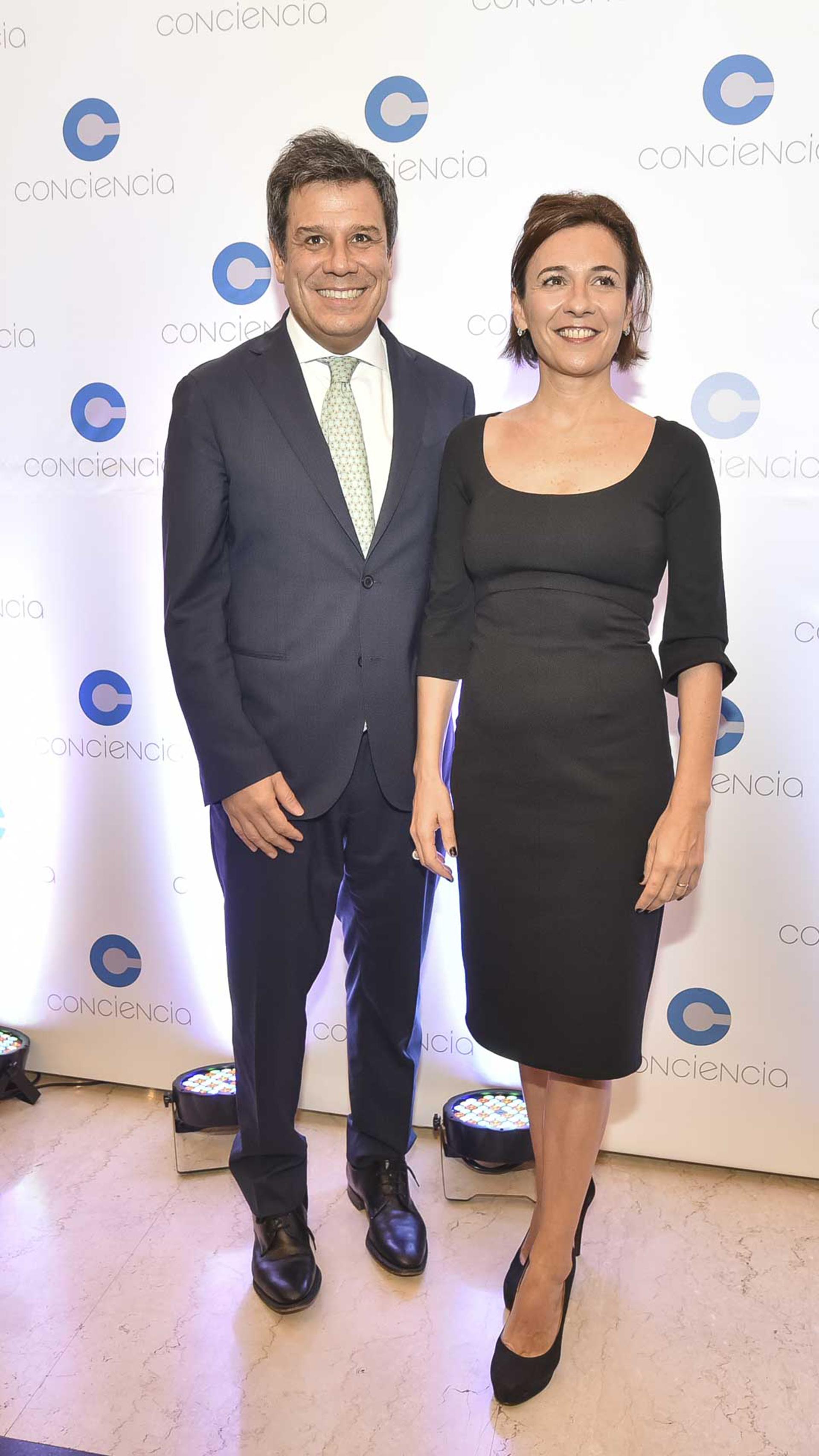El neurocientífico Facundo Manes y su mujer Josefina Manes