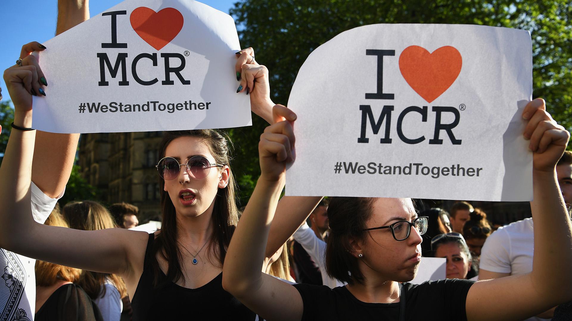 Ariana Grande regresa a EUA tras atentado en su concierto en Manchester