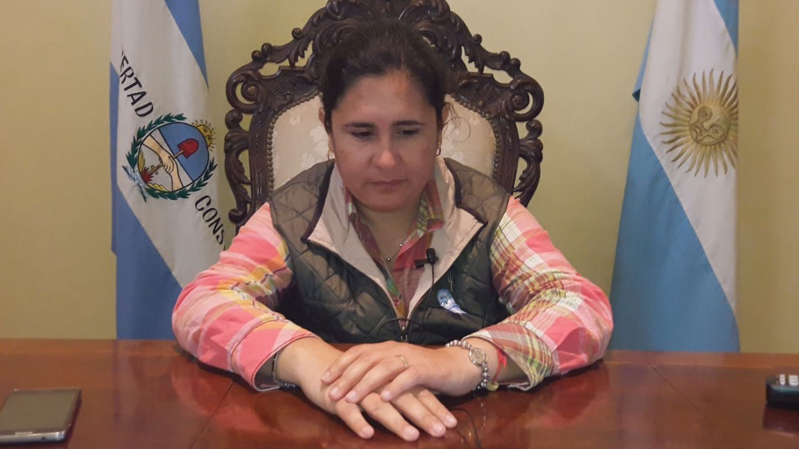 La intendenta de San Cosme, Verónica Maciel, se defendió de las acusaciones de su padre