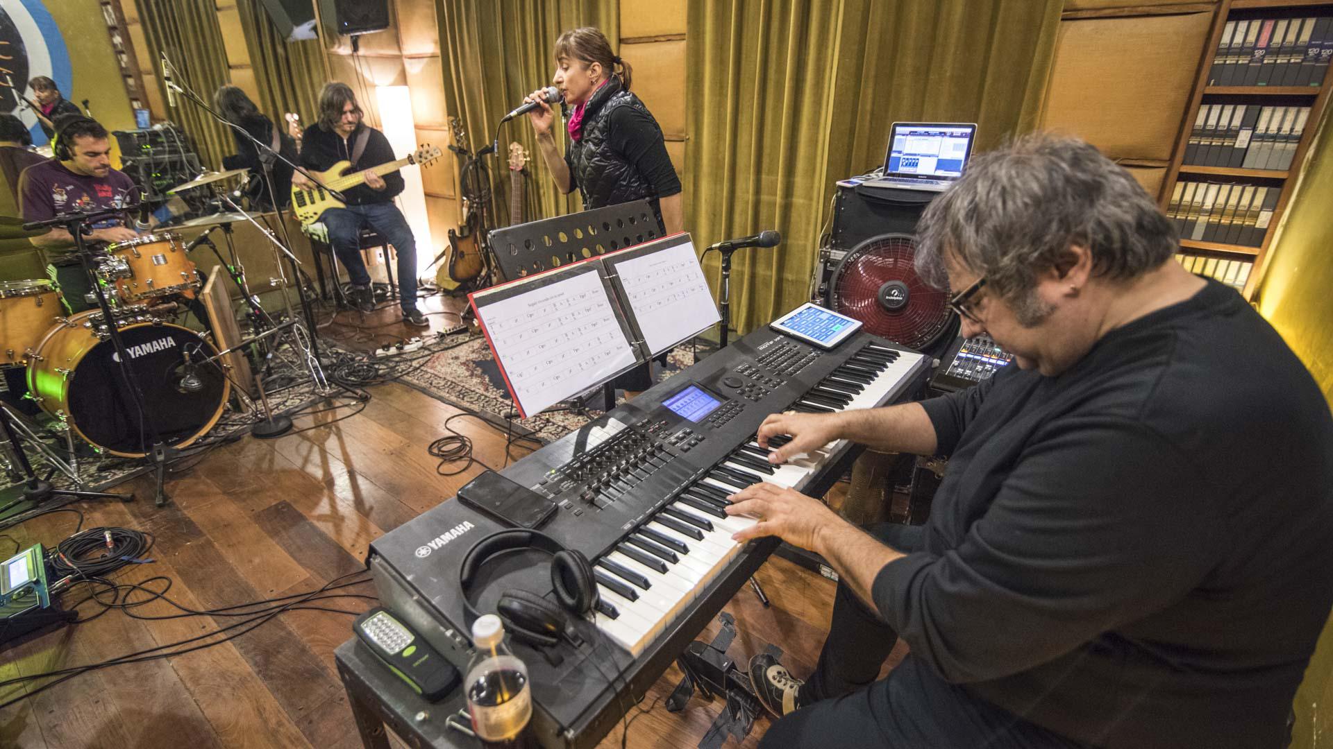 Hilda Lizarazu declaró que la música puede ser sanadora pero aveces también enloquecedora (fotografía de Guillermo Llanos)