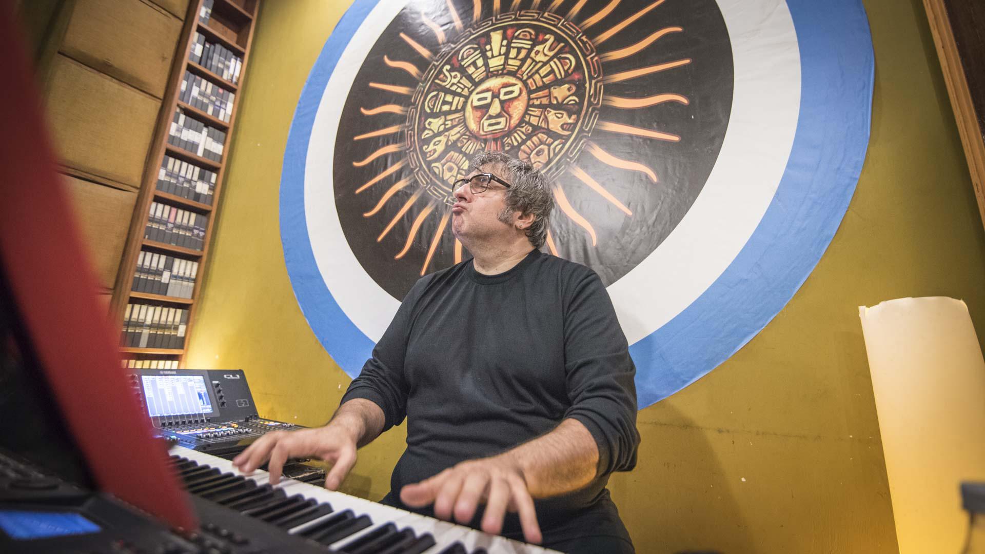 La gala fusionará el rock con la música clásica, de la mano de la dirección y producción musical de Lito Vitale promete ser un show único (fotografía de Guillermo Llanos)