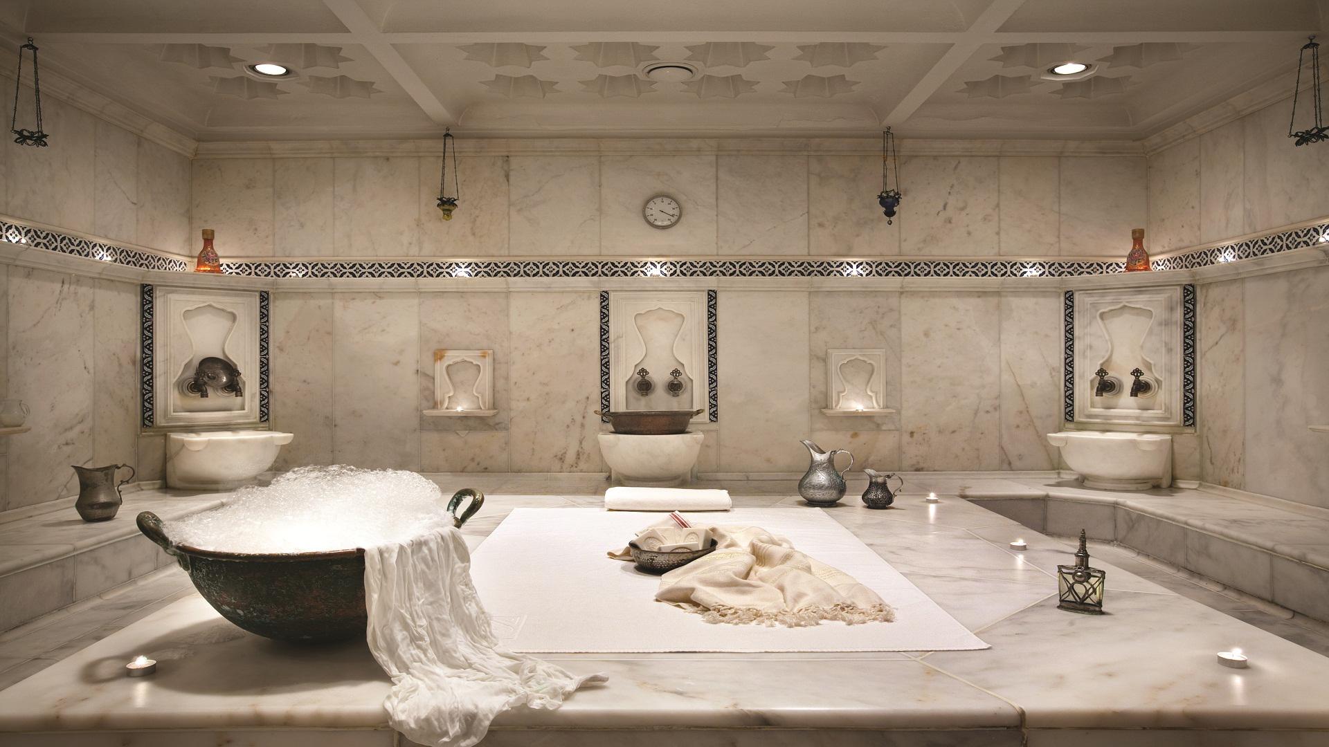 La ambientación del Kempinski es tradicional de Turquía con jarrones y pequeñas decoraciones típicas (Fine Hotels Spa & Resort of The World)