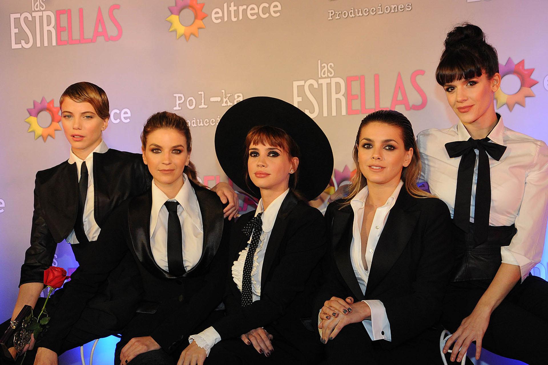 Justina Bustos, Marcela Kloosterboer, Celeste Cid, Natalie Pérez y Violeta Urtizberea