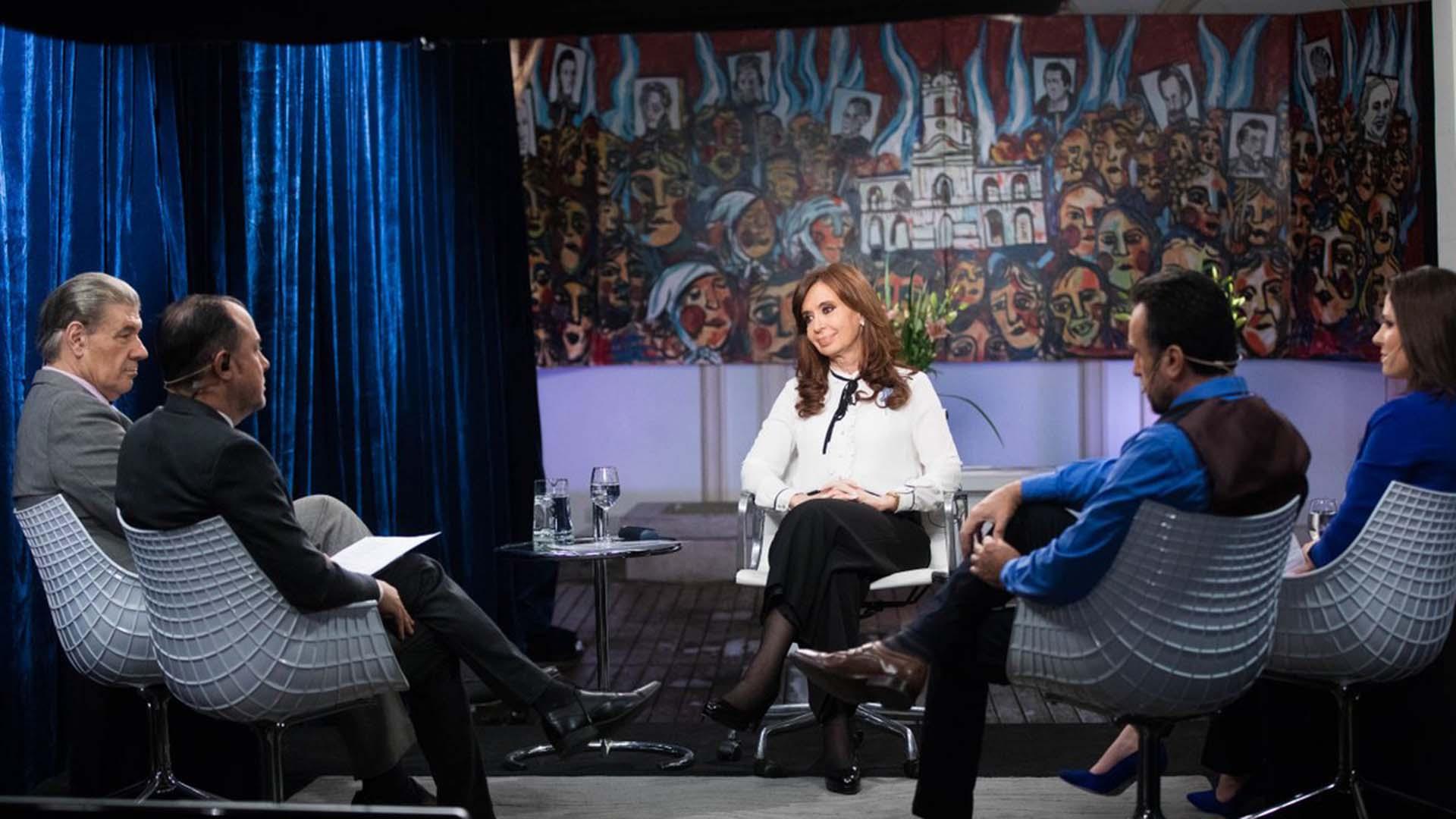 Cristina Kirchner pidió la unidad del PJ para ser candidata
