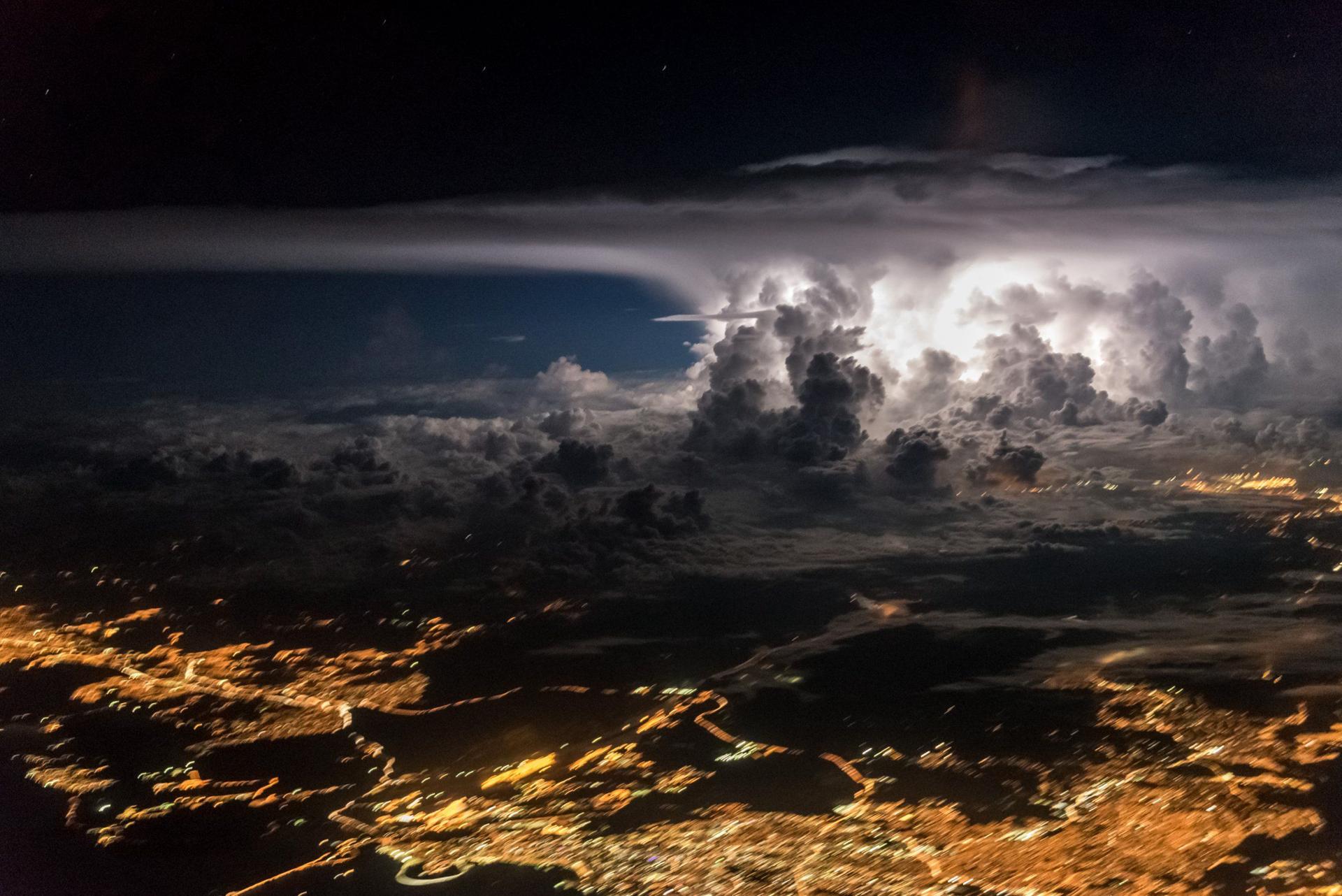 El sorprendente juego de nubes en Panamá