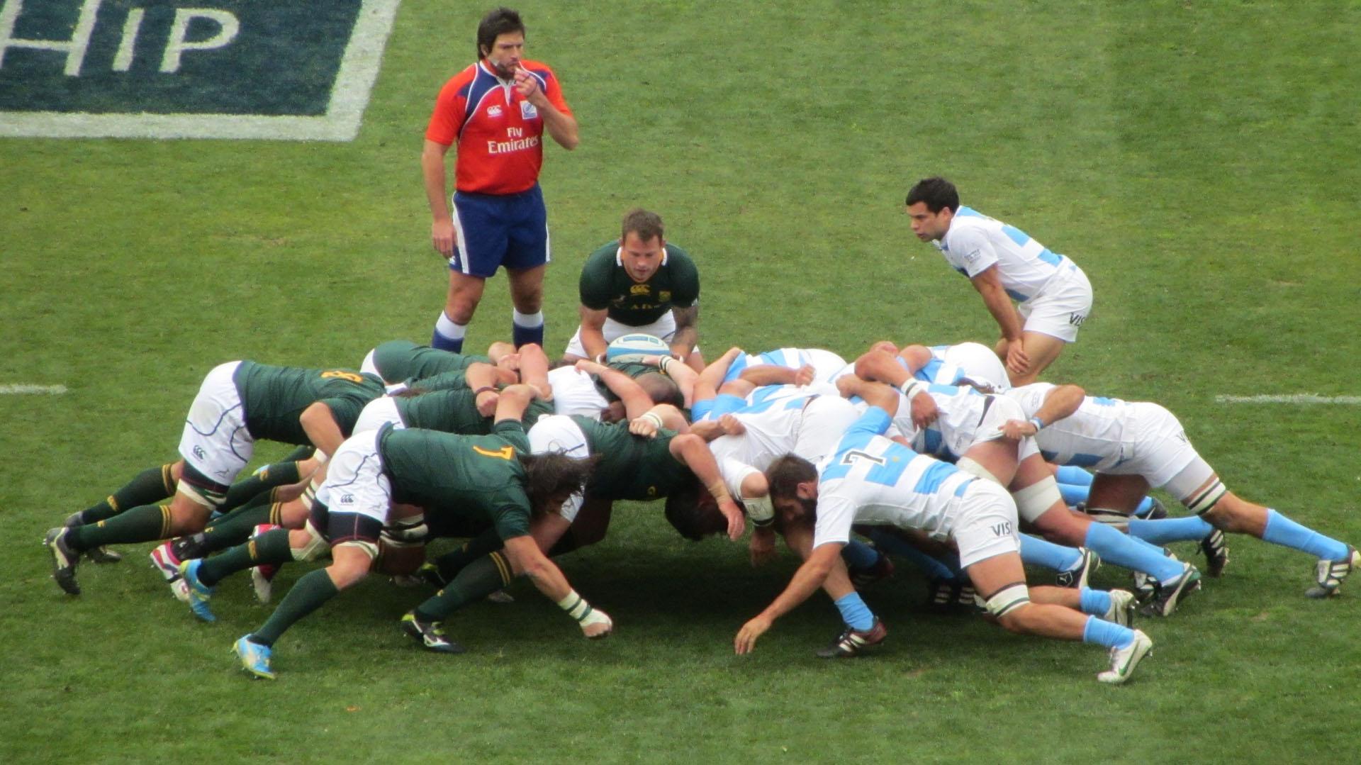 El scrum, una de las formaciones fijas del rugby
