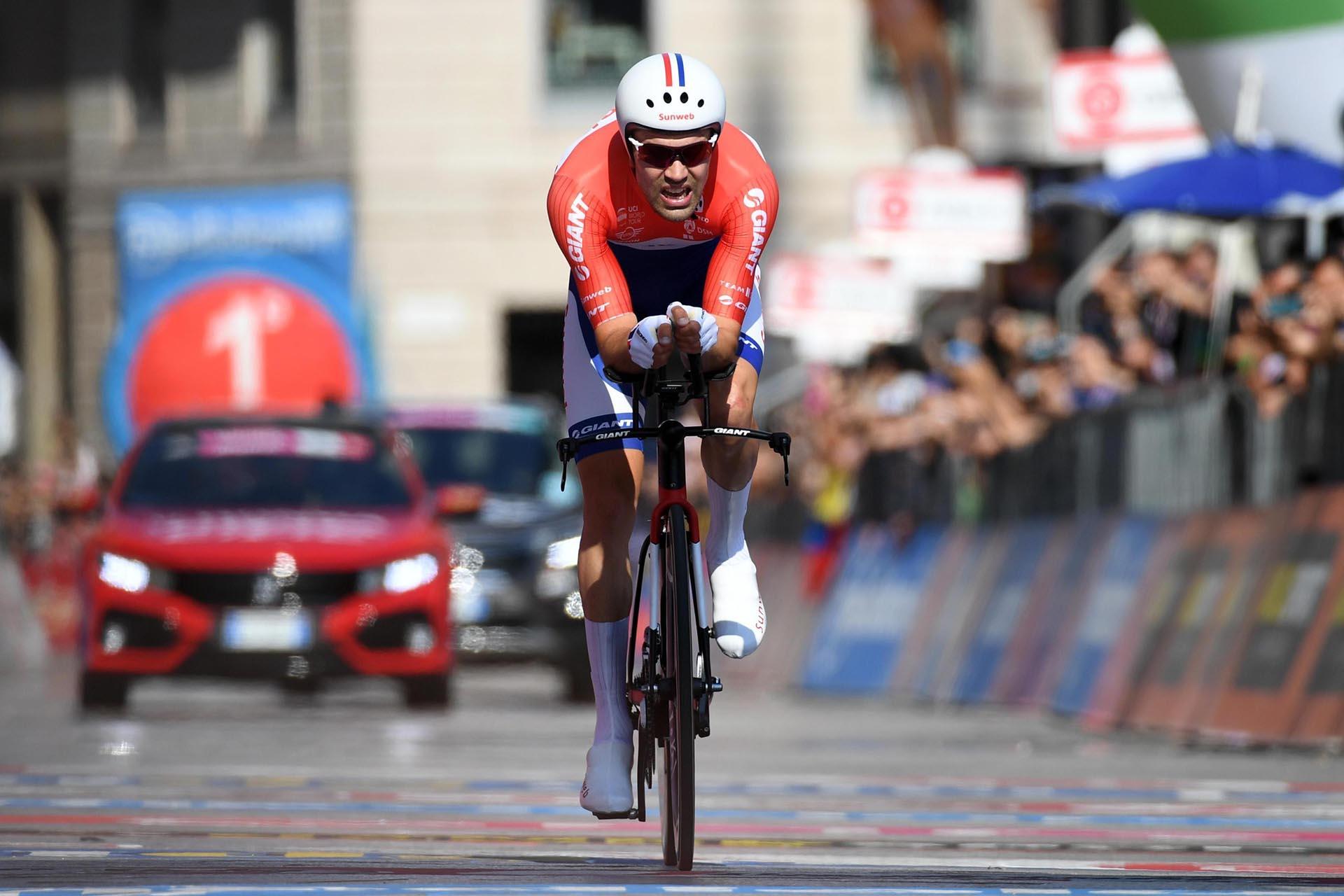 Tom Dumoulin llegando a la meta