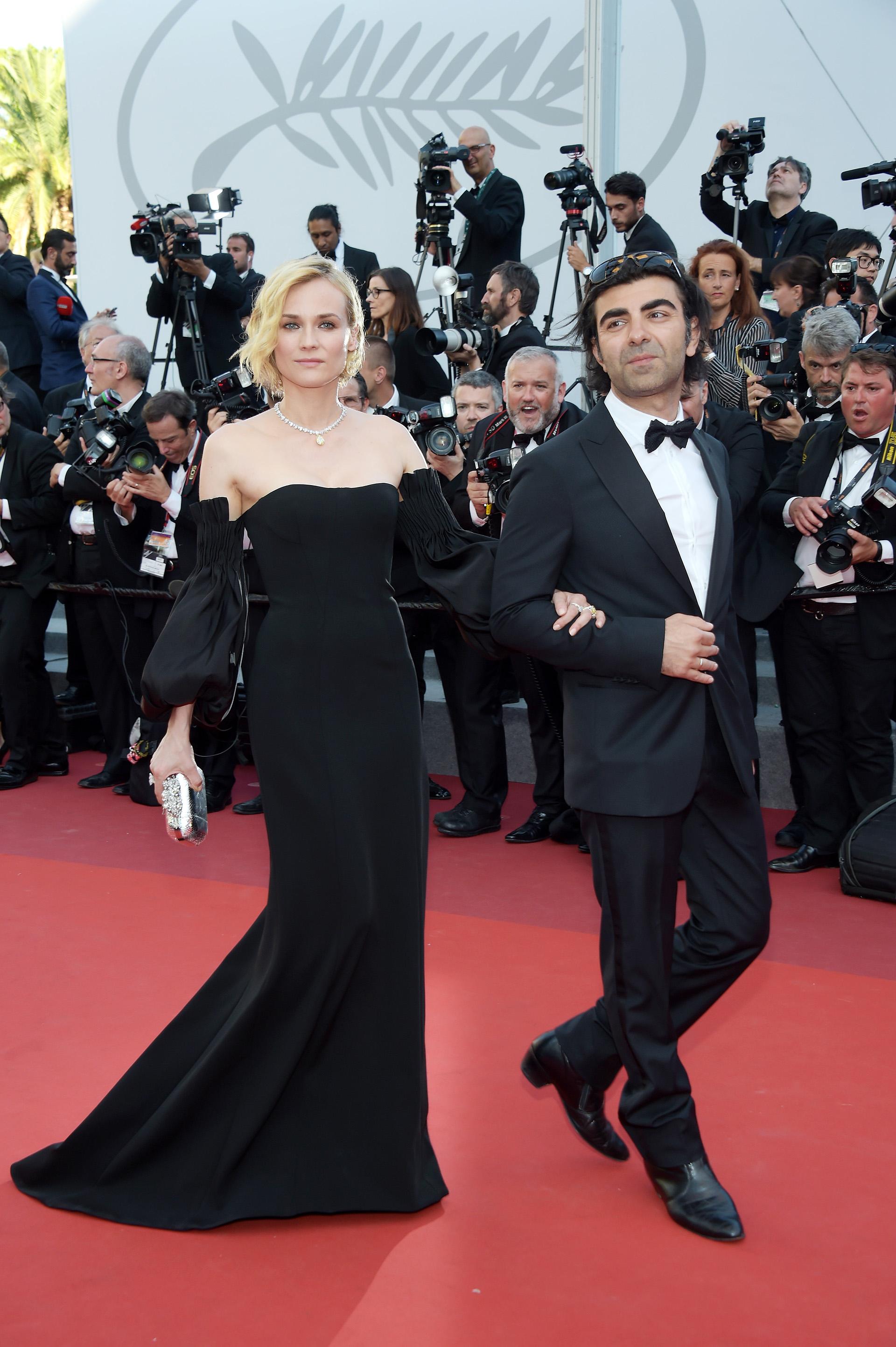 """La ganadora como mejor actriz Diane Kruger junto al director Fatih Akin del filme 'In The Fade"""""""