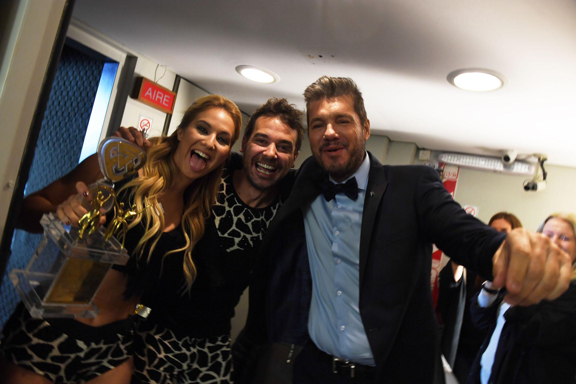 Marcelo Tinelli con Pedro Alfonso y Flor Vigna