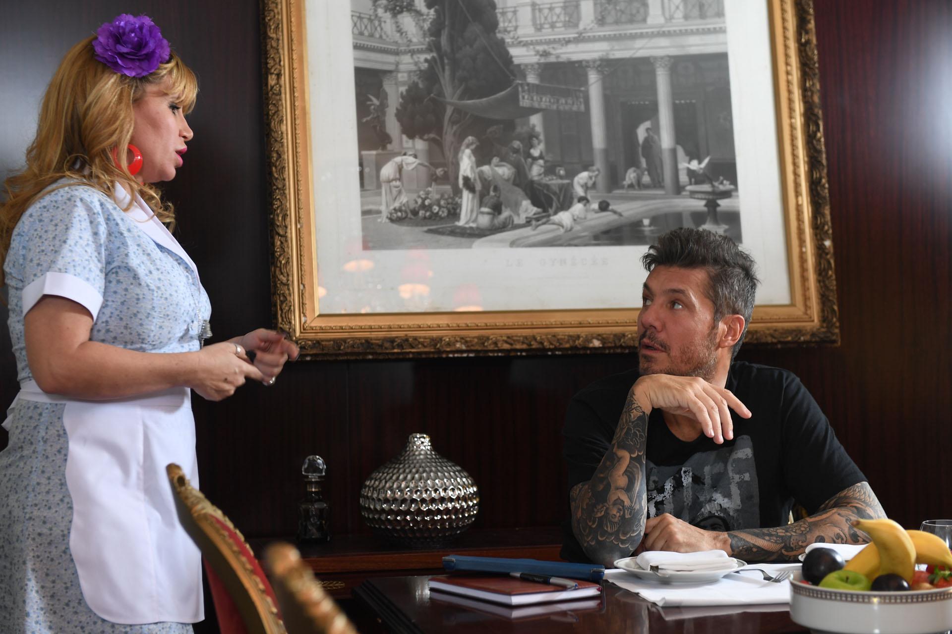 Florencia Peña con Marcelo Tinelli en el sketch