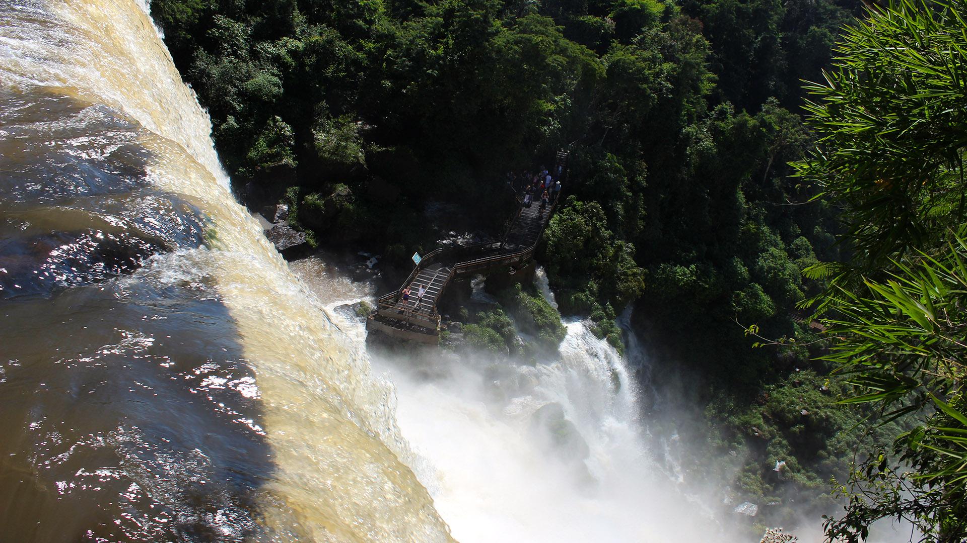 La ocasión fue ideal para recorrer el espectáculo de las cataratas, declaradas como una de las nuevas siete maravillas naturales del mundo