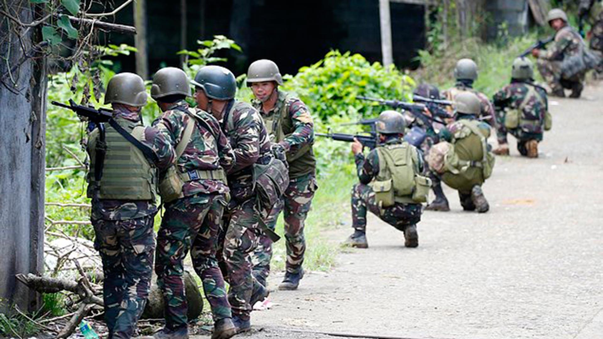 El Ejército de Filipinas desplegó un fuerte operativo contra ISIS (AP)