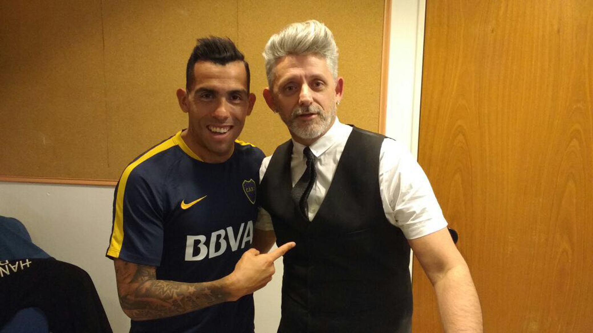 Carlos Tevez también eligió a Dario para confiar en su nuevo cambio de look