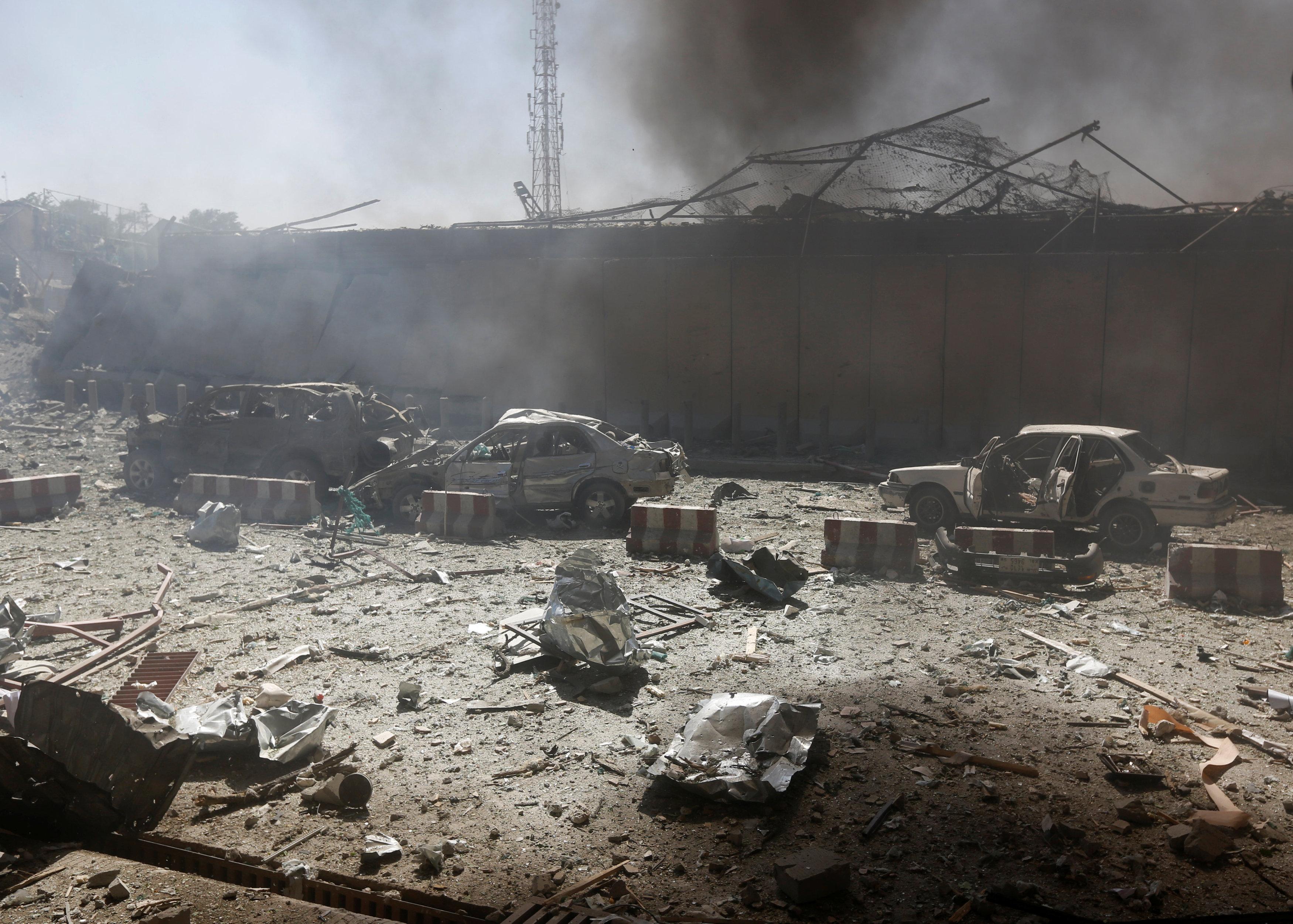 Destrucción en las calles de Kabul (Reuters)