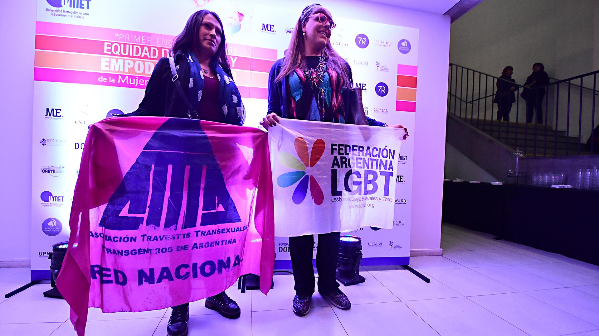 Organizaciones de mujeres y militantes de género estuvieron presentes en el evento